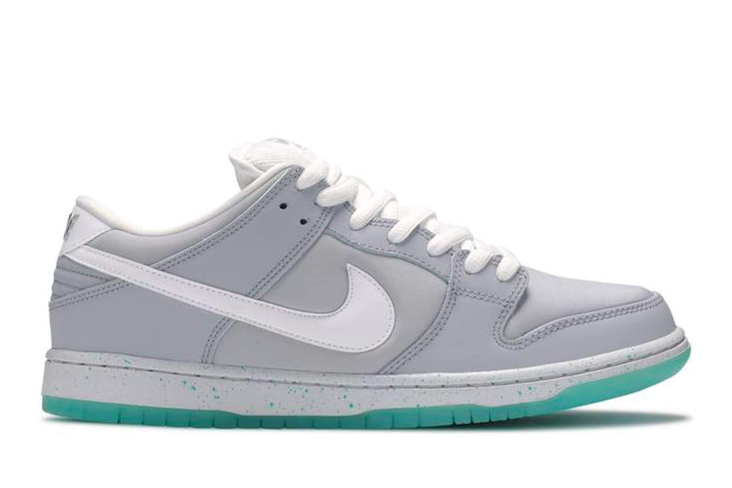 "Nike SB Dunk Low ""Marty McFly"""