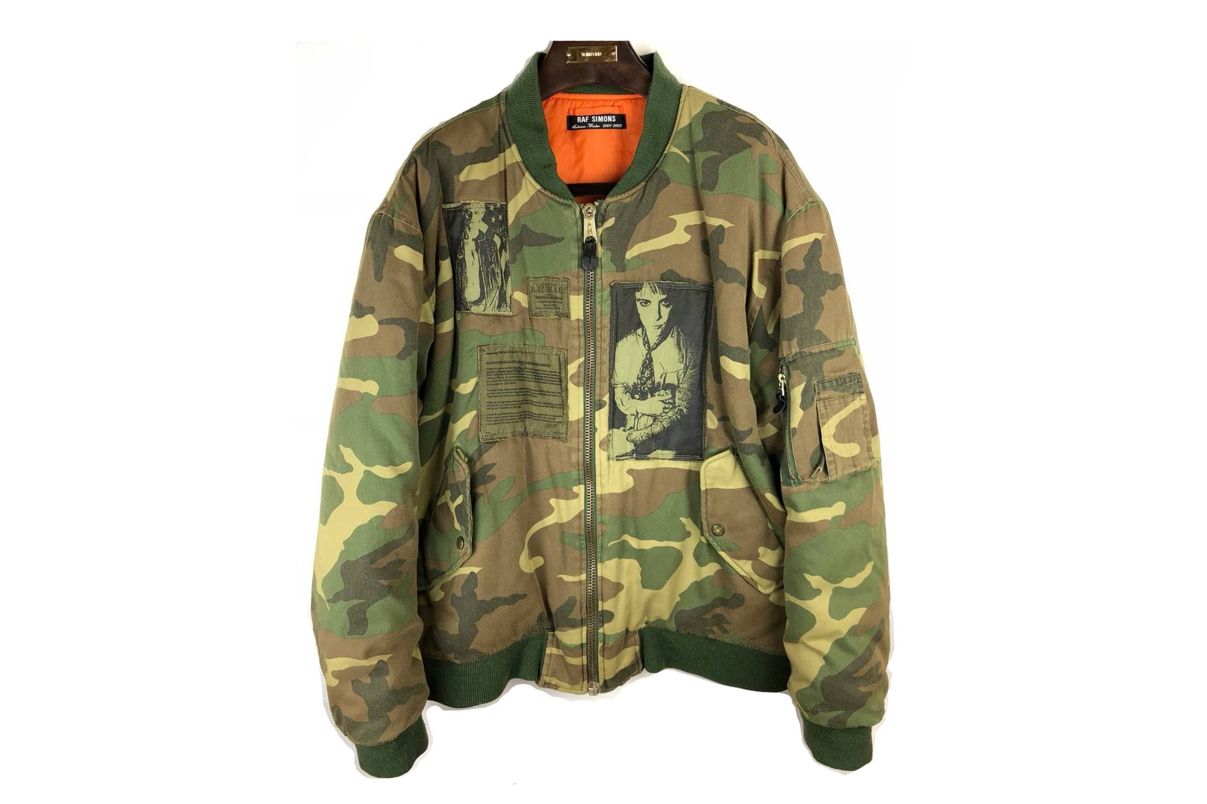 4be1b4b12fd99 When most people think about camouflage they tend to think about a specific  family of patterns: woodland camo. There are myriad varieties of woodland  camo, ...