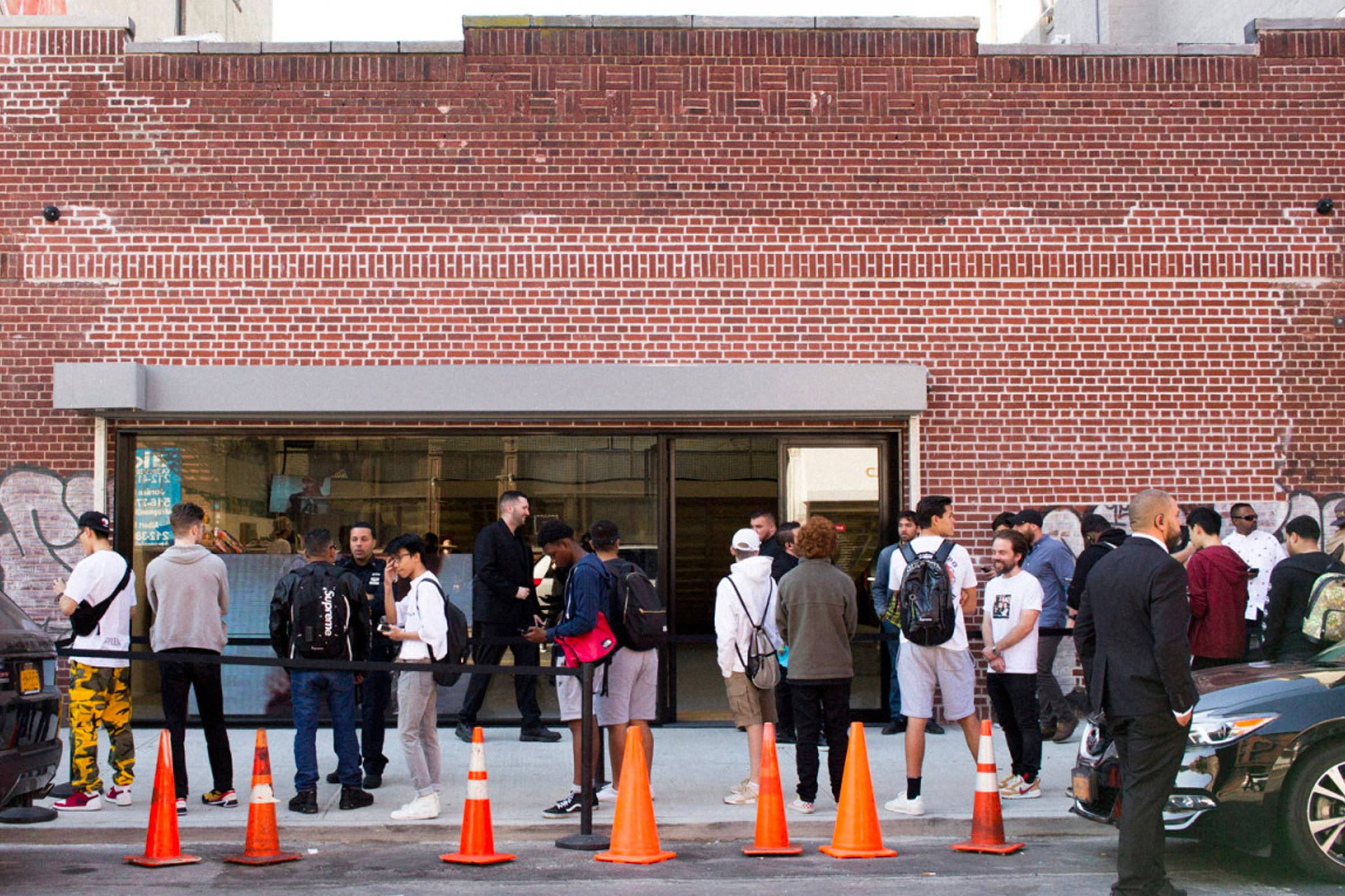 Line outside of Supreme's Brooklyn location, taken during the store's grand opening