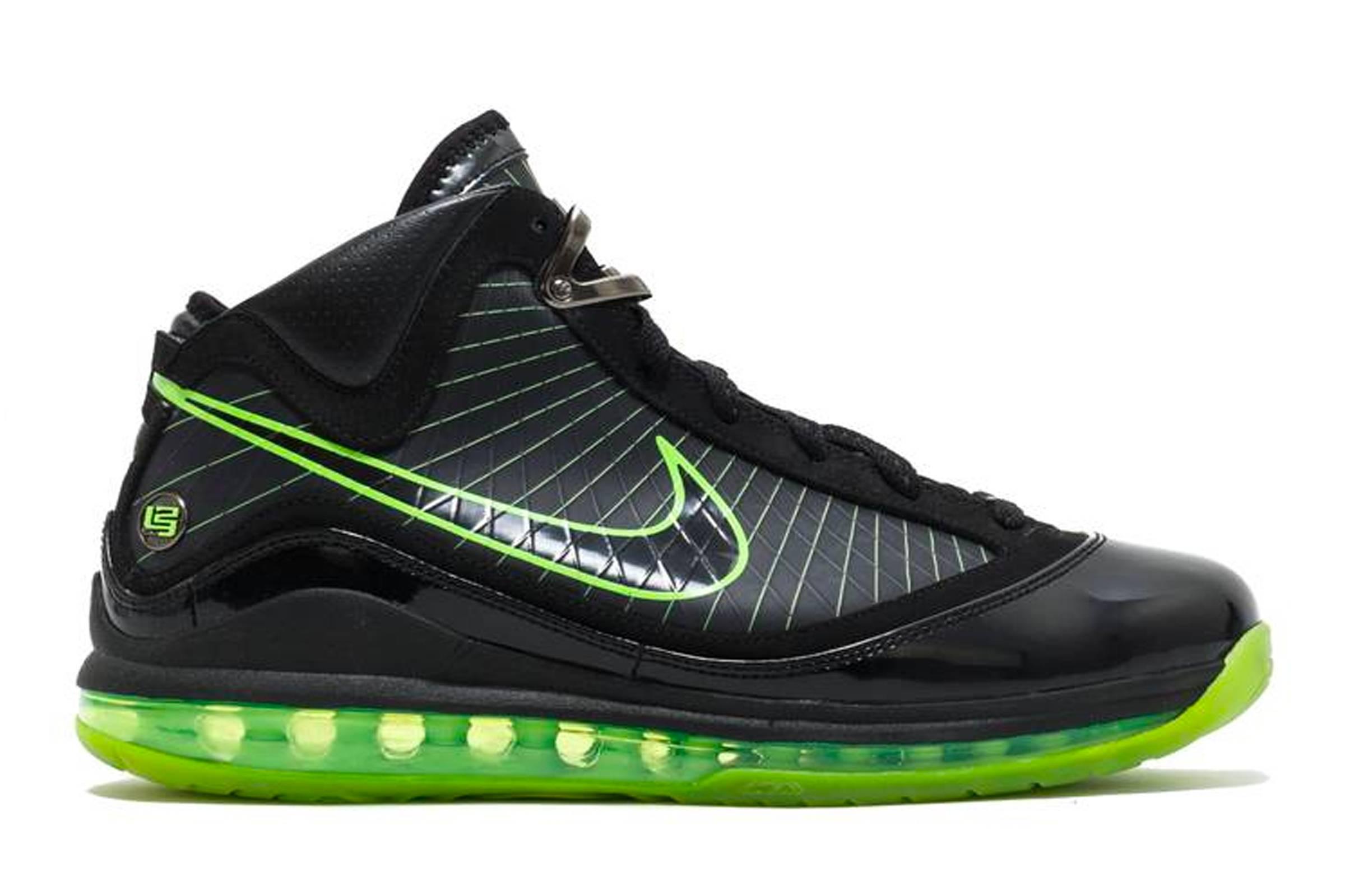 "Nike LeBron VII ""Dunkman"""