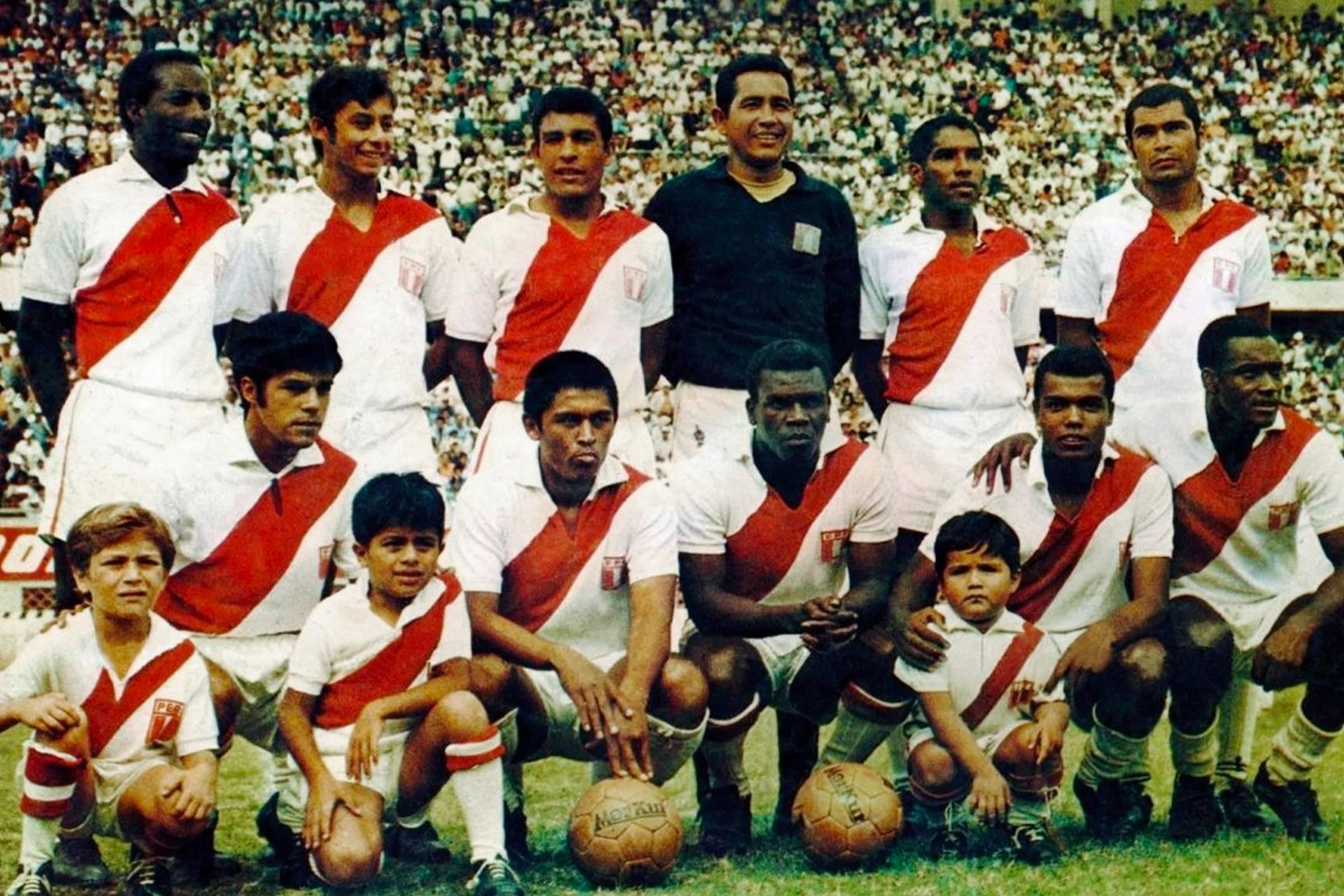 Peru Home Kit 1970