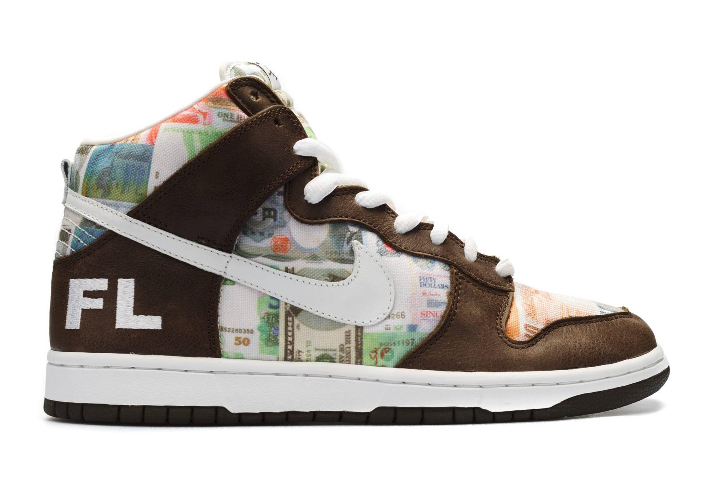 "Futura x Nike SB Dunk ""FLOM"""