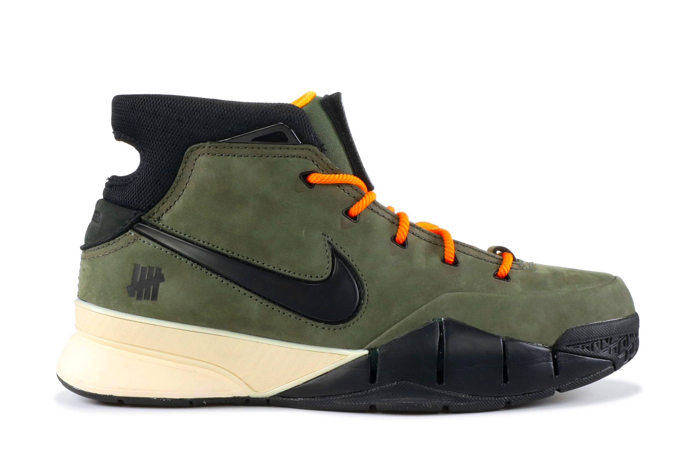 "Undefeated x Nike Kobe 1 Protro ""Flight Jacket"""