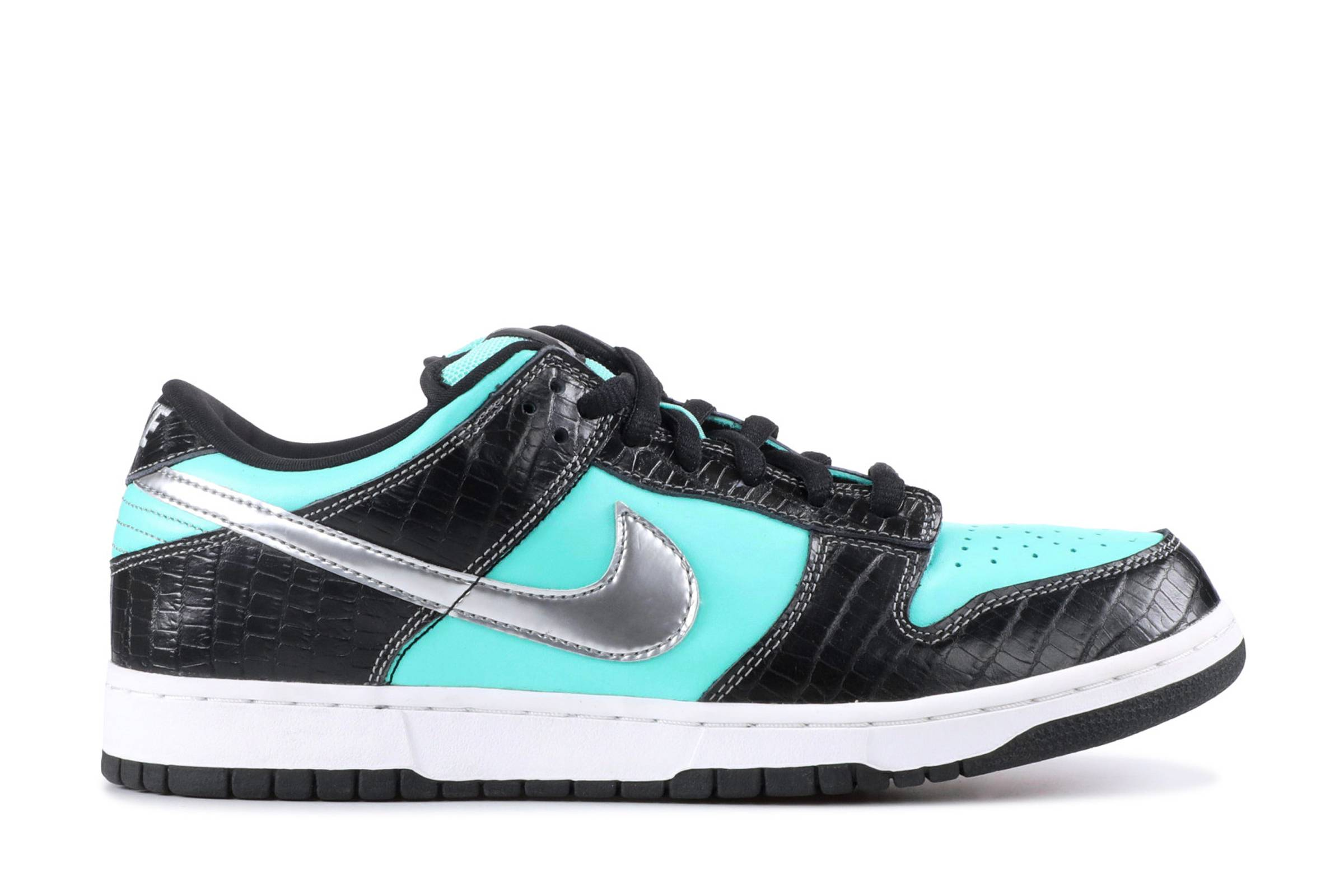 "Diamond Supply Co. x Nike SB Dunk Low ""Diamond"""