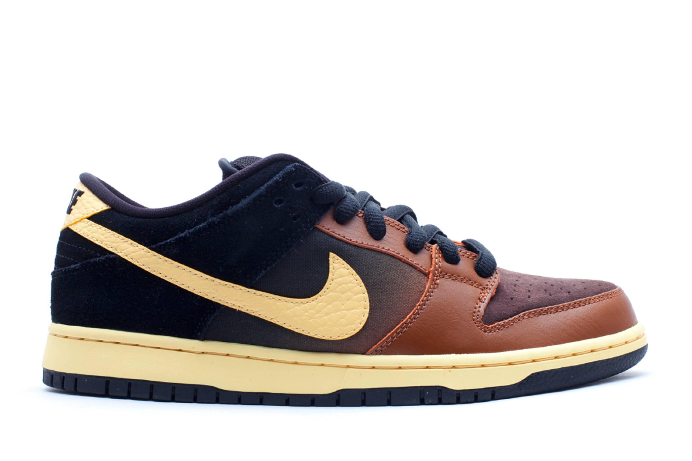 "Nike Dunk ""Black & Tan"""