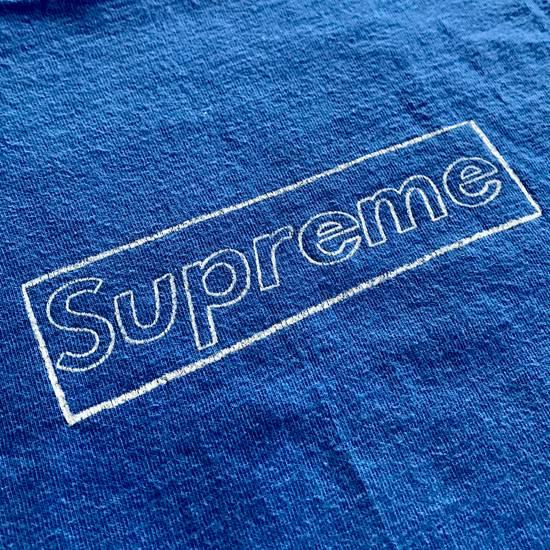 Supreme 2011 KAWS Box Logo Tee Size US M / EU 48-50 / 2