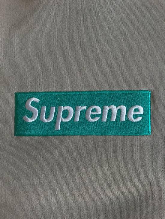 Supreme F/W 2005 Box Logo Crewneck (Oatmeal/Teal) Size US L / EU 52-54 / 3 - 2