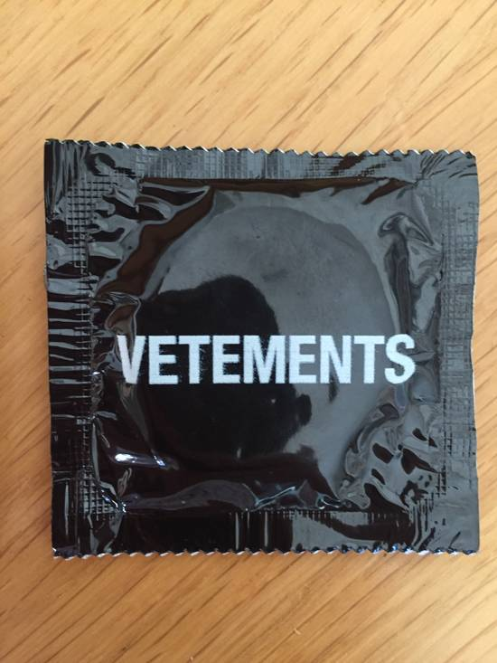 Vetements Vetements condoms Size ONE SIZE - 3
