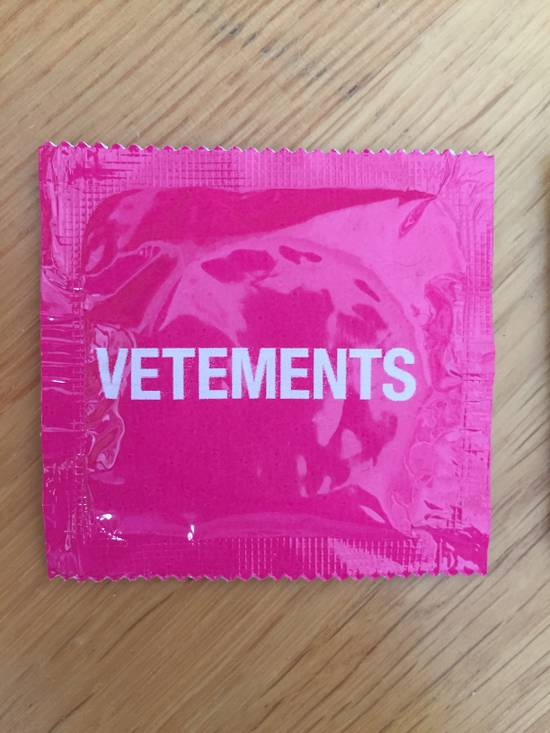 Vetements Vetements condoms Size ONE SIZE - 4