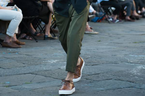 Surfaced: Cropped Pants