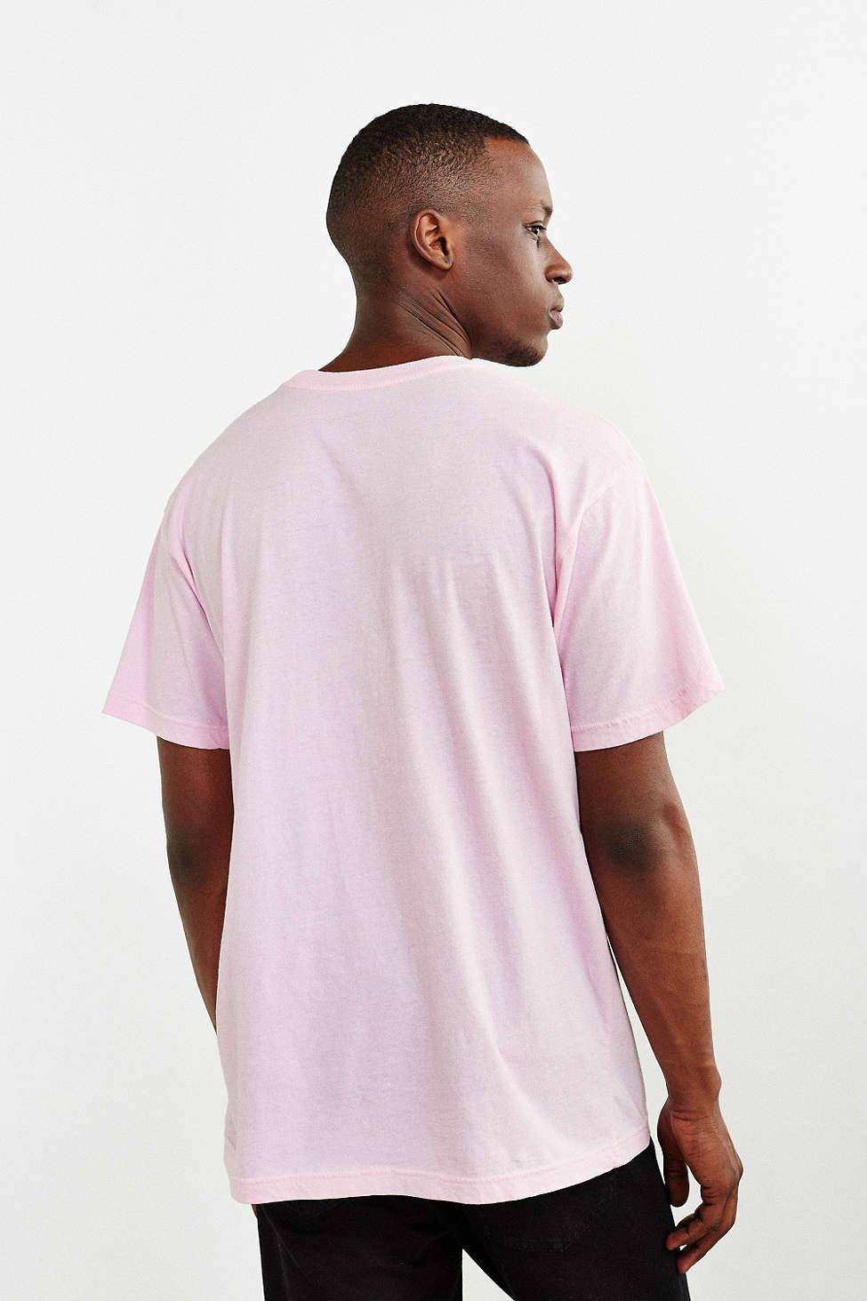 ... Urban Outfitters Embroidered Knife Tee Size US L / EU 52-54 / 3 ...