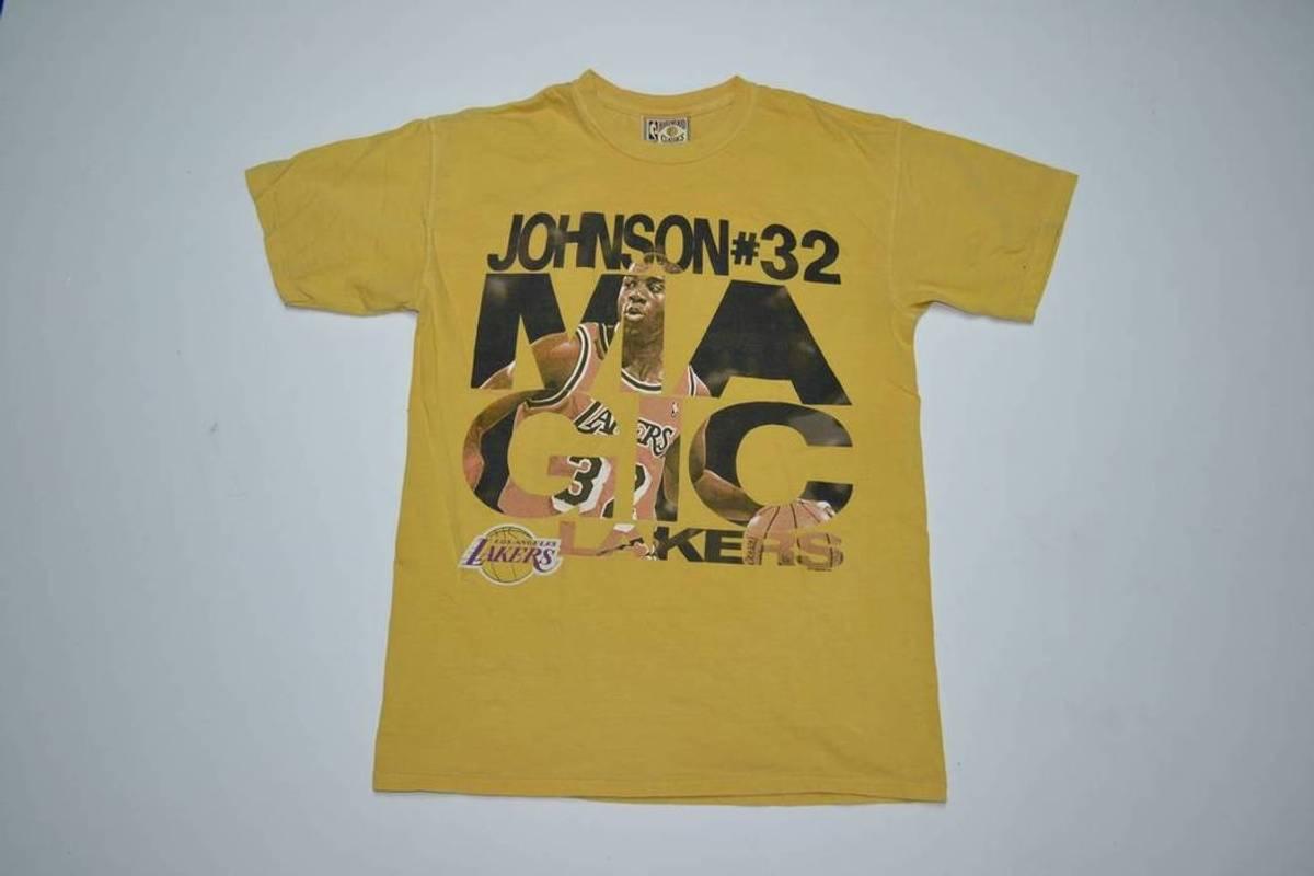 59ada8c8f Lakers ×. VTG Earvin Magic Johnson Lakers Hardwood Classics Graphic Tee  size Medium Vintage T Shirt Los Angeles LA 80s 90s ...
