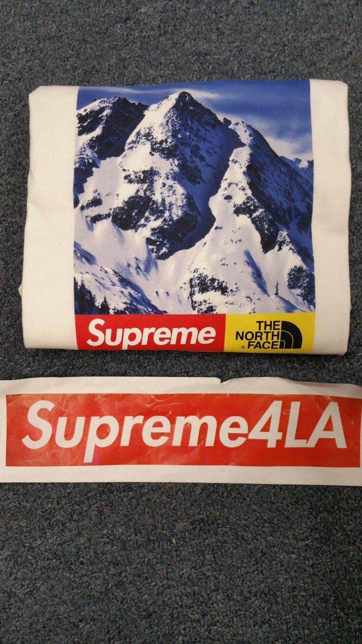 5a1714d2e Supreme × The North Face Supreme 17 F/W The North Face Mountain Tee White  Size M 1000% Authentic In Hand Size M $250
