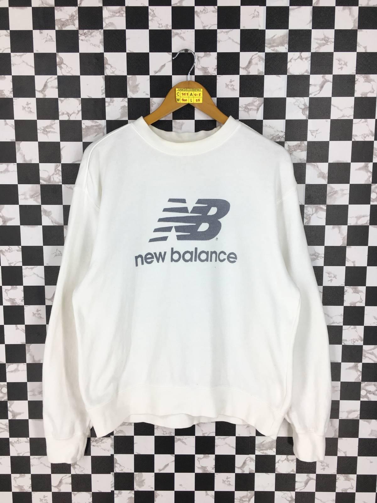 d8bd3d5c8b6f8 New Balance Vintage New Balance Sportswear Sweater Large White ...