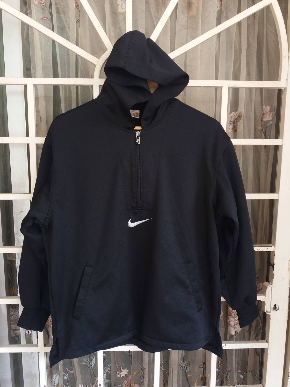 5541e8e8b2fb7 Nike Vintage 90s Nike training jacket big logo half zipper black ...