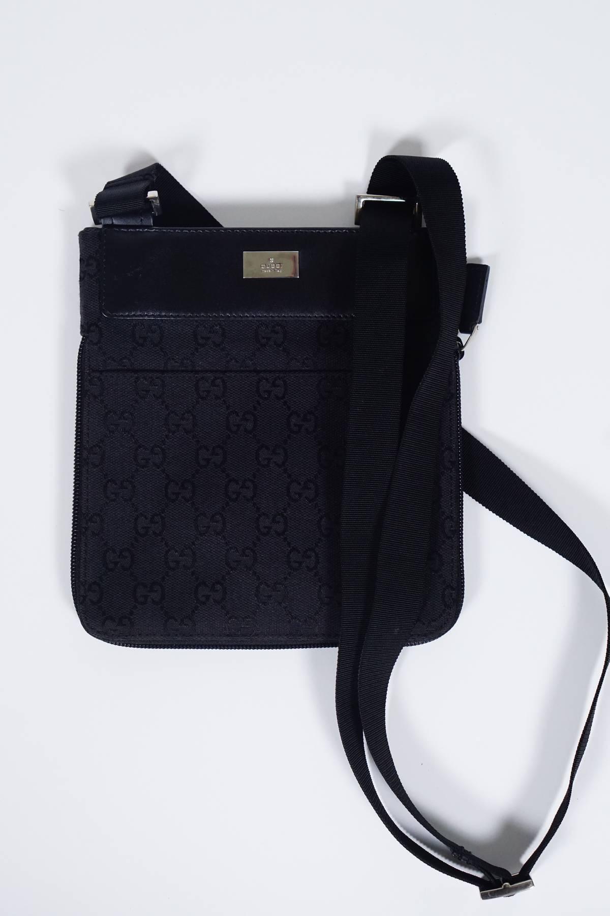 0b1e6431a Gucci Small Black Crossbody Bag