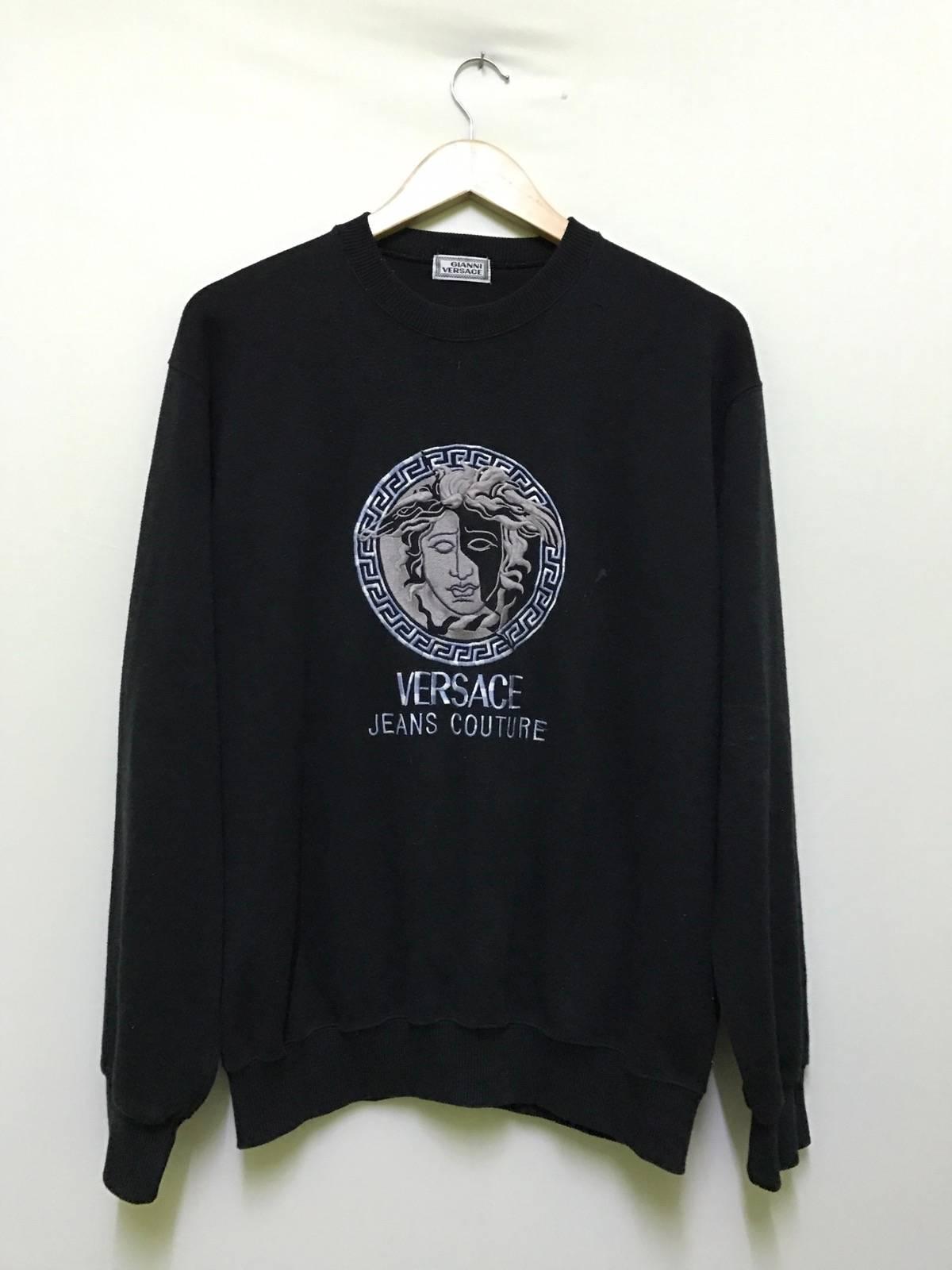 Rare!!! The Famous VERSACE JEANS COUTURE Medusa Embroidery Logo T-Shirt Black Colour Medium Size