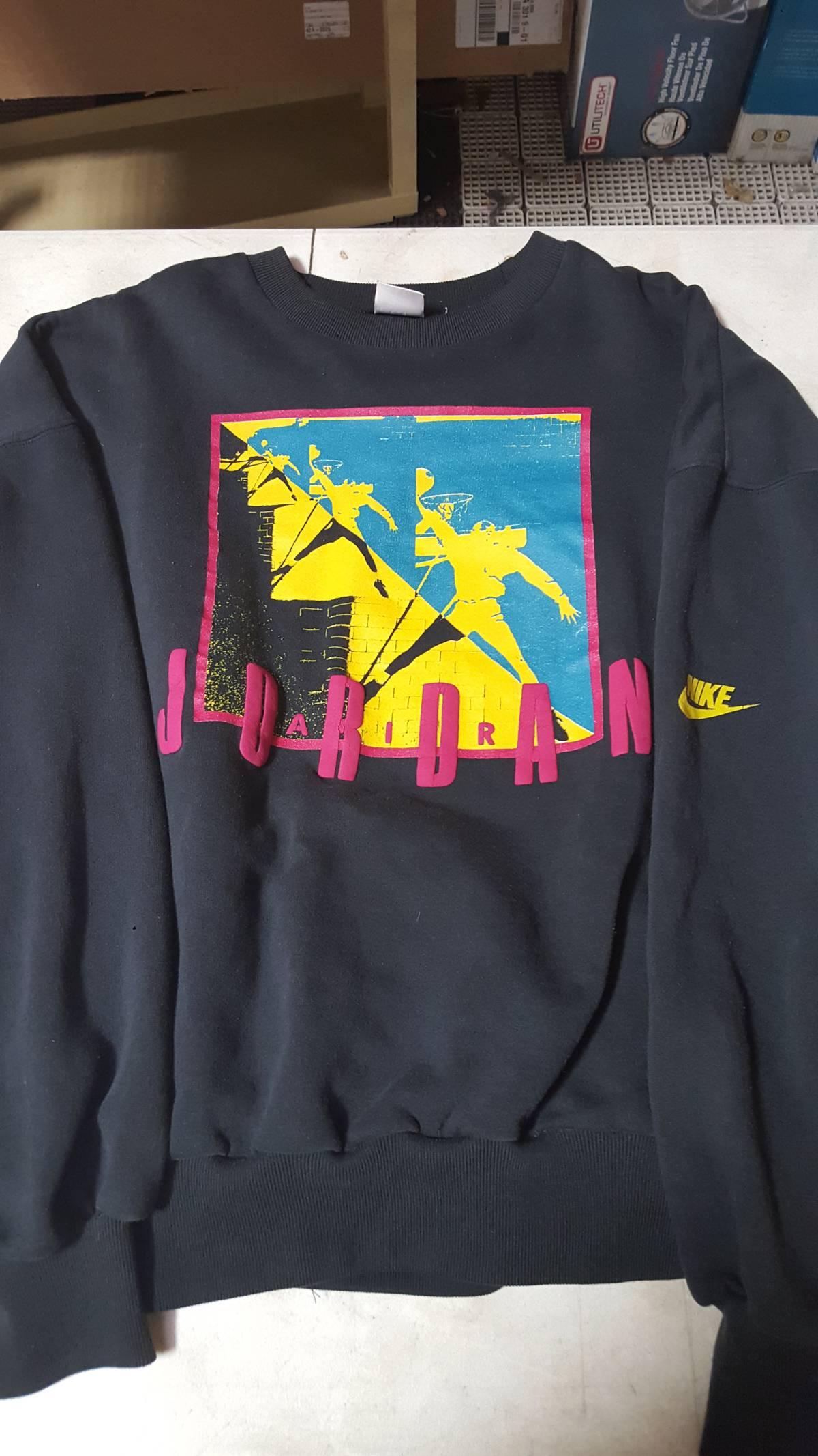 573dc921c6c82d Nike ×. Vintage Air Jordan Sweatshirt