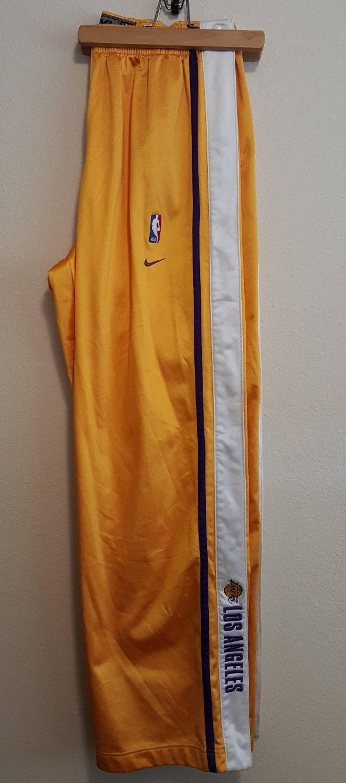 f6655f835 Nike × Vintage. Nike LA Lakers Mens Breakaway Warm Up Kobe Shaq. Size  US  XXL ...