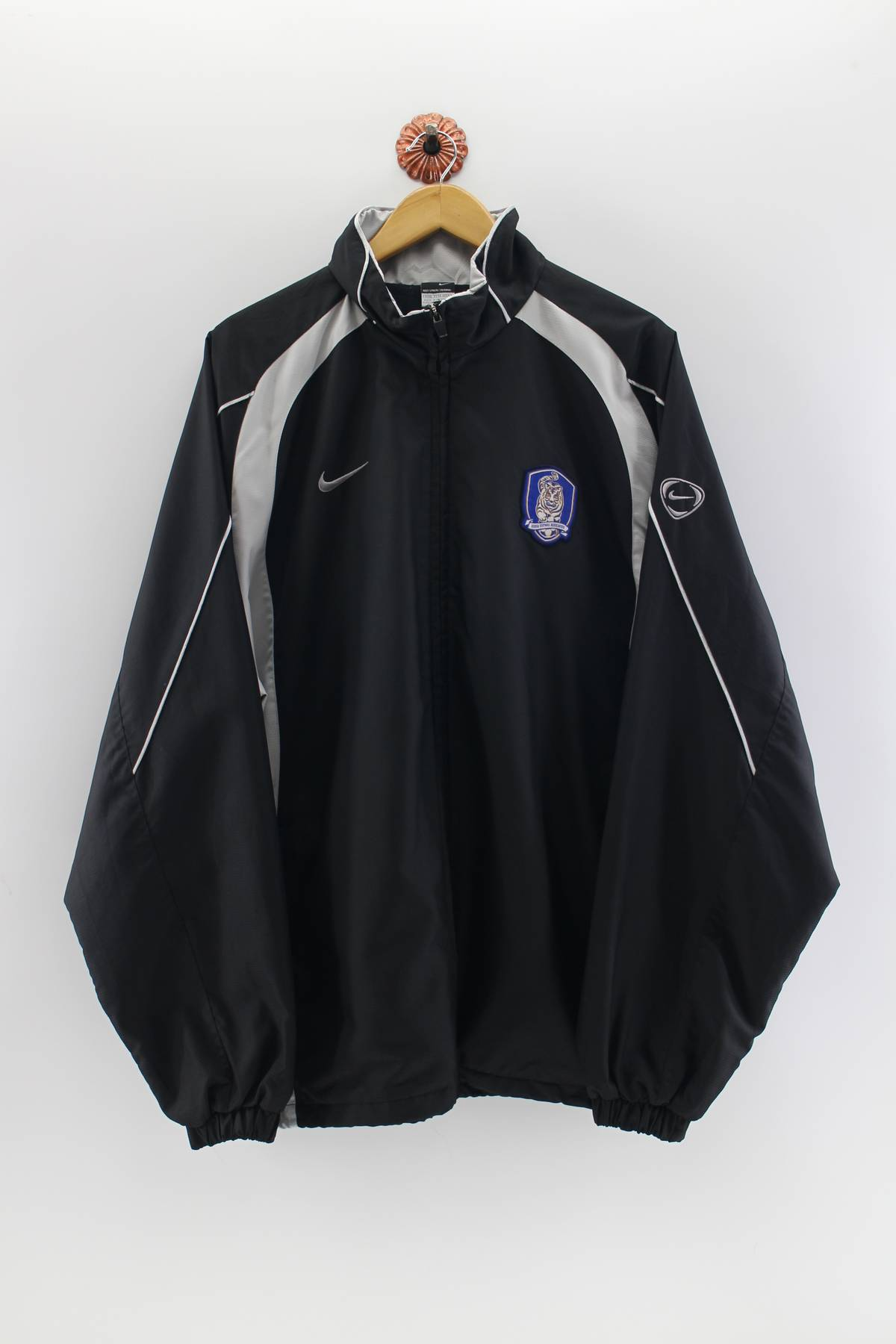 6e2799f1cd79a Nike × Windbreaker. Vintage 90 s NIKE Swoosh Korea Windbreaker Oversize Men Nike  Running Trainer Hoodie Jacket Nike Usa Sportwear Black ...