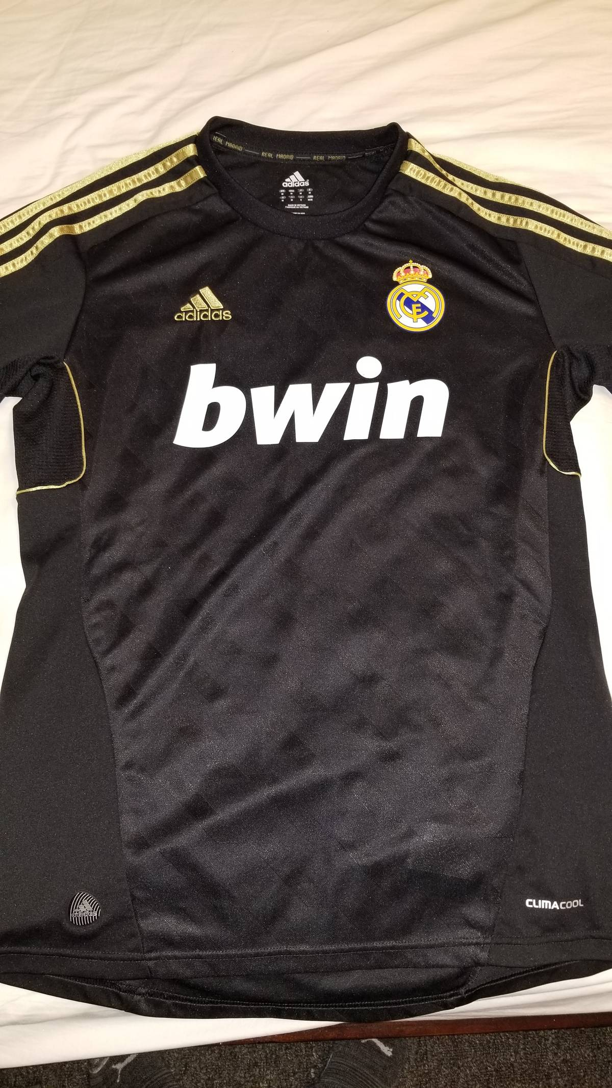 buy online cbcf4 bf976 Adidas × Real Madrid Real Madrid 2011 2012 Black/Gold Jersey Size M $38