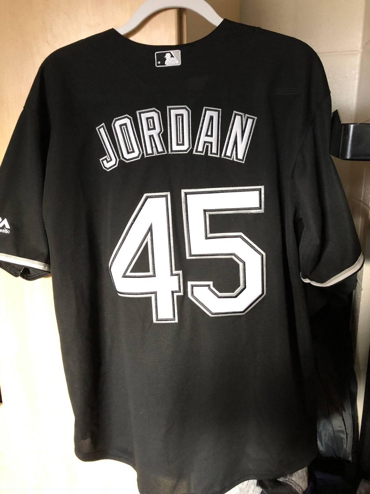 watch 00090 27748 Majestic Michael Jordan White Sox Jersey Size L $45