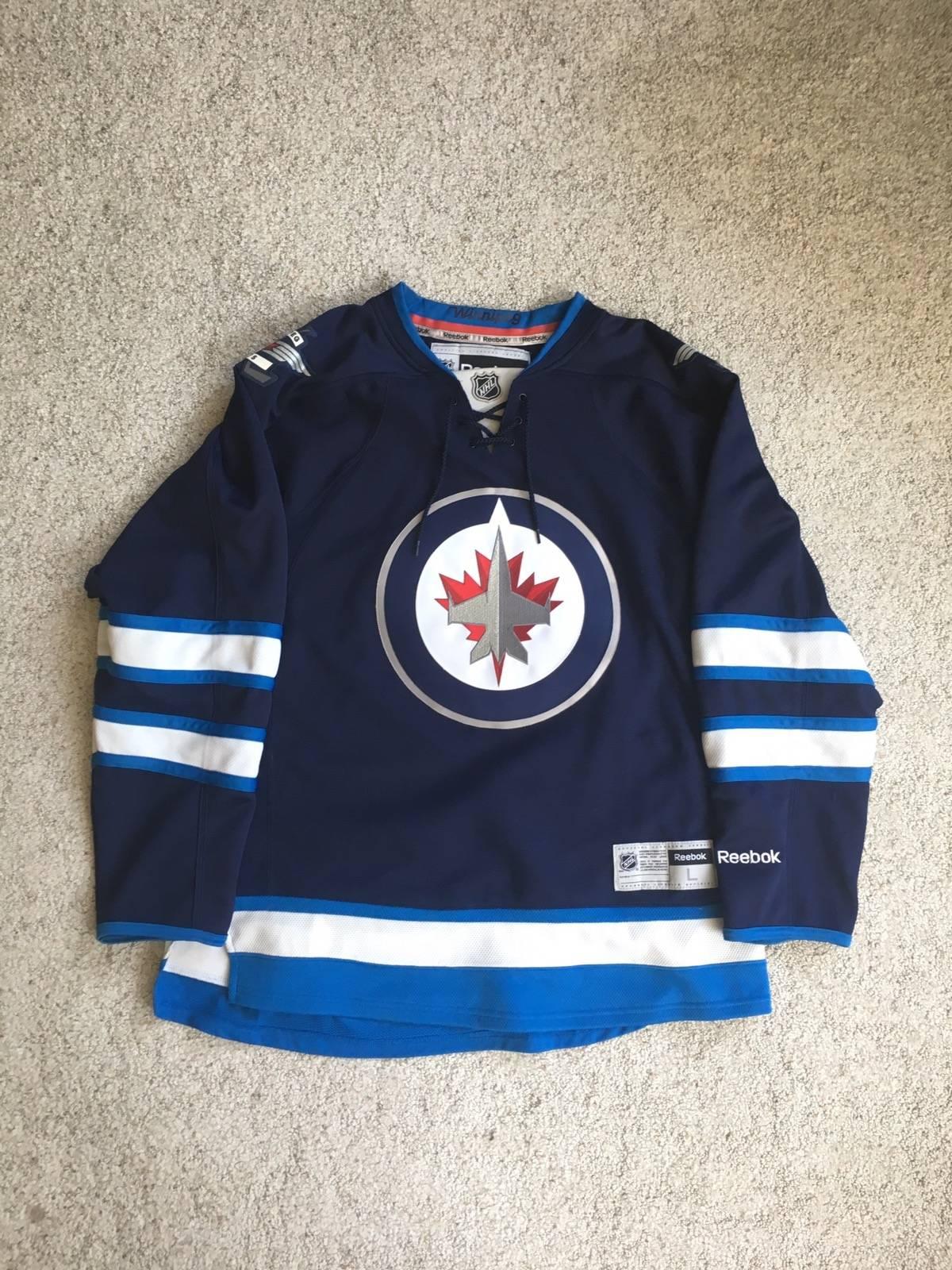 official photos 5cc49 66084 Reebok × Vintage Winnipeg Jets Nhl Reebok Jersey Size L $44