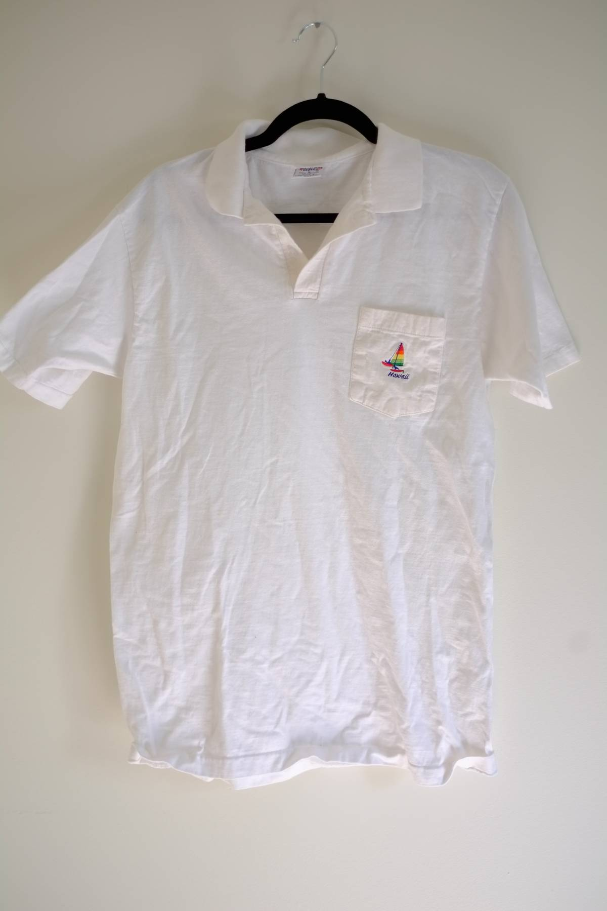 Vintage Hawaii Embroidered Collared Shirt Size M Polos For Sale