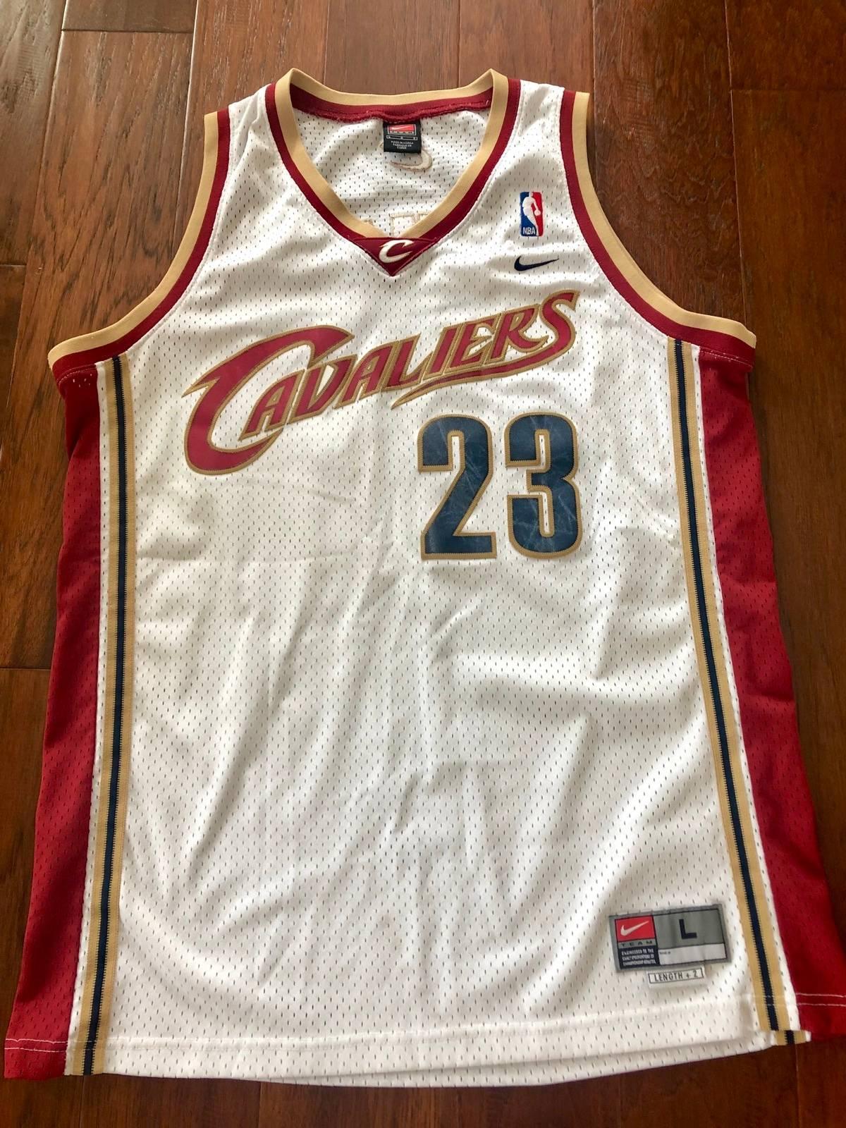 wholesale dealer 292aa eed0d Nike Vintage Nike Lebron James Cavs Jersey Size L $45