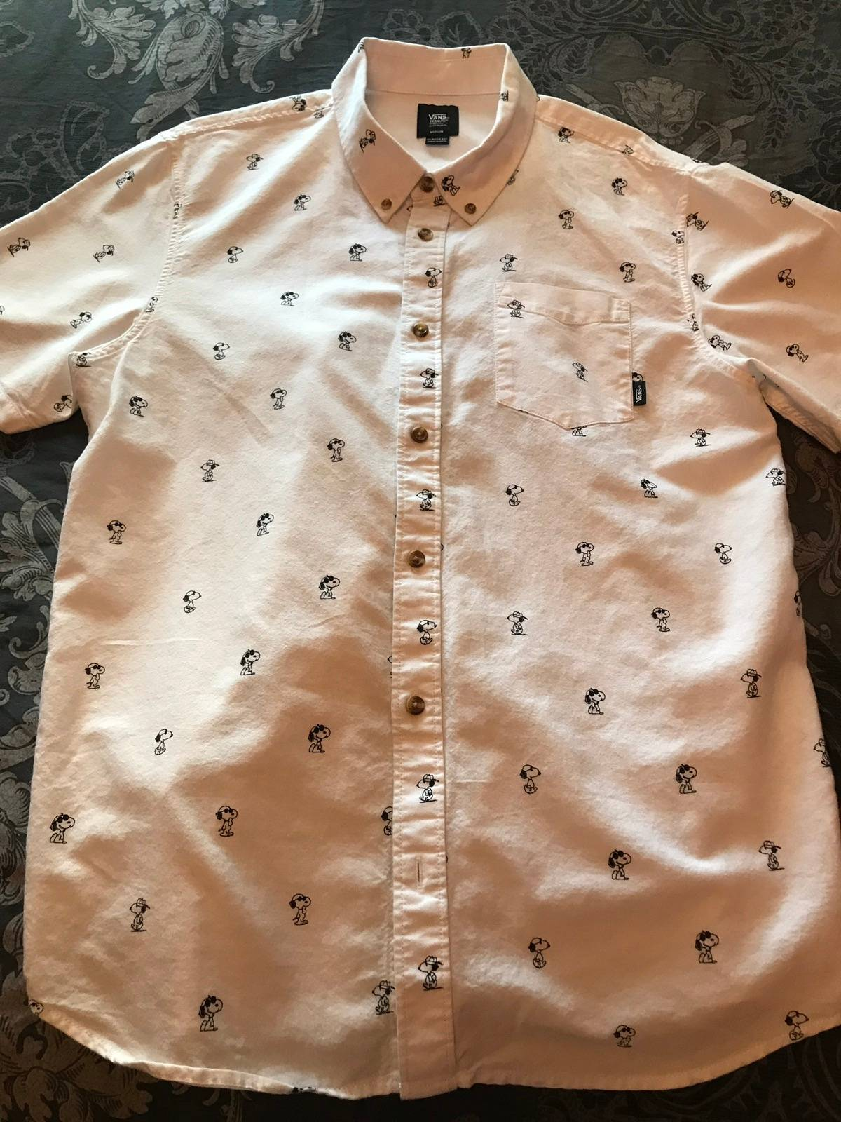 eeef45836 Vans × Peanuts ×. Snoopy Print Houser Short Sleeve Buttondown Shirt