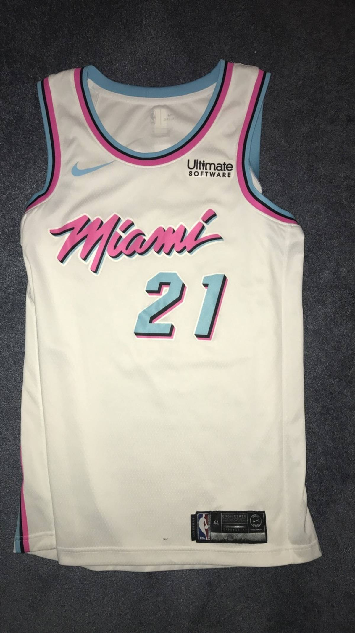 the latest d7ce2 36d20 Nike Miami Heat Vice Jersey Size M $80
