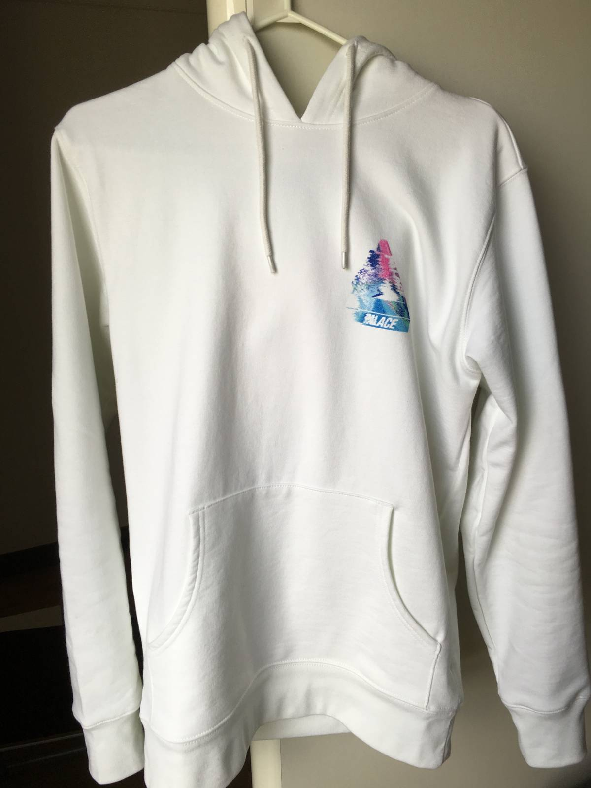 06e3aadf6ad6 Palace TRI-SMUDGE TRI FERG HOOD WHITE Size m - for Sale - Grailed