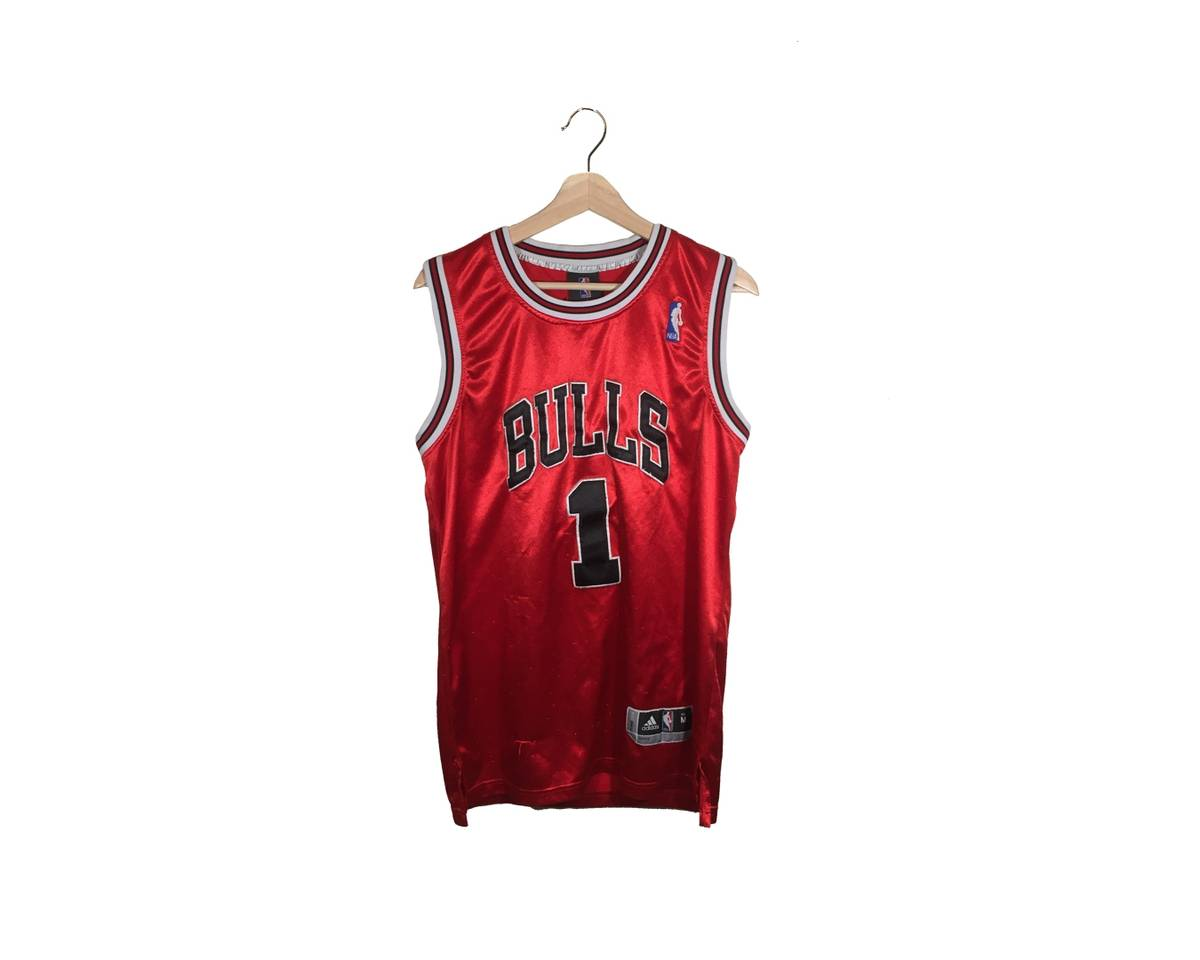 7030855f4dd6e9 Adidas Vintage Chicago Bulls Derrick Rose Home Jersey