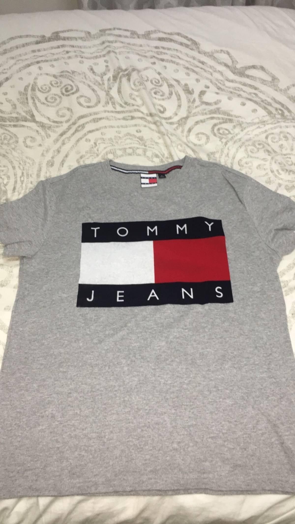 730e02554 Tommy Hilfiger Tommy Jeans 90's Flock T Shirt Size M | Grailed