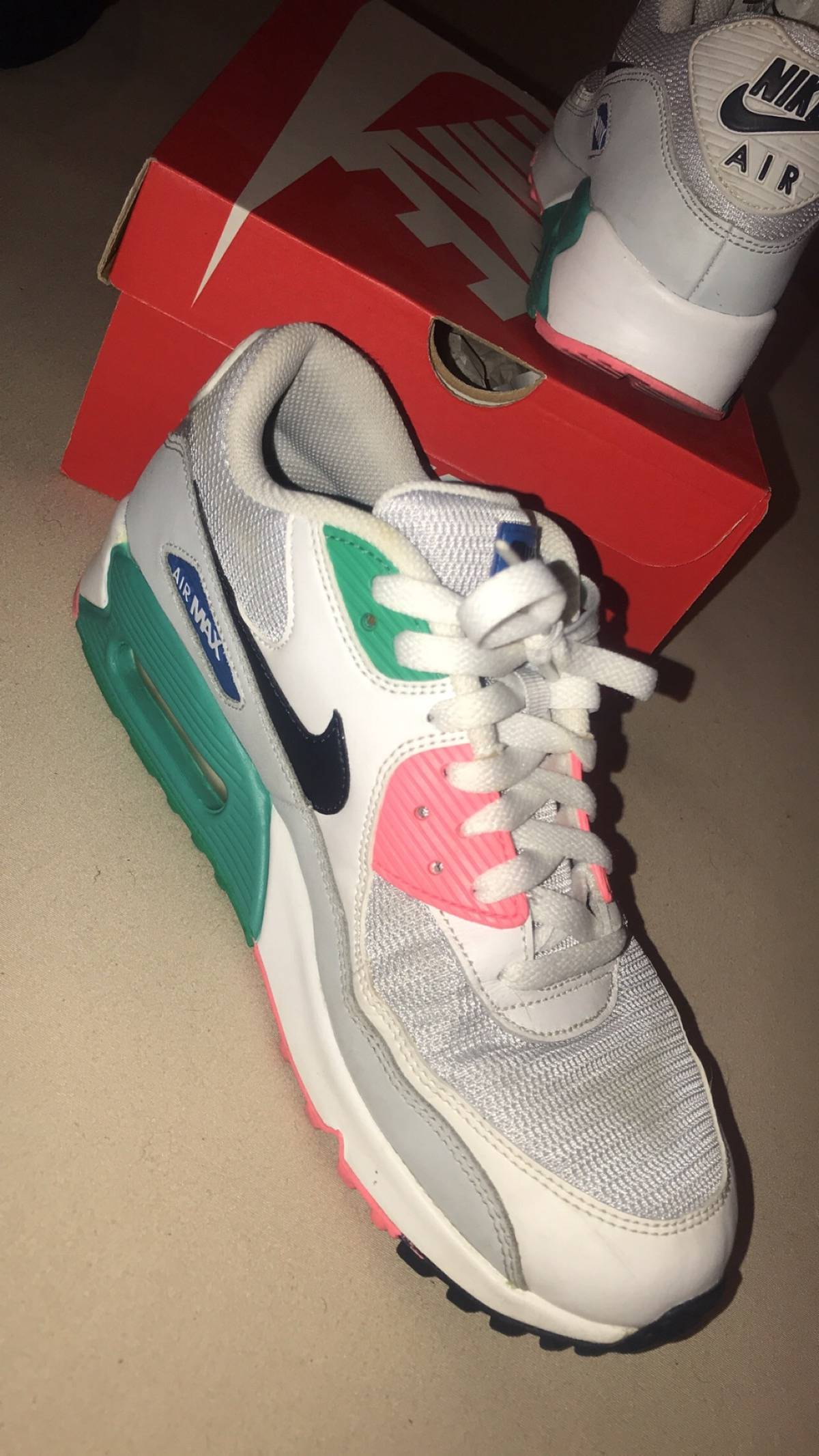the latest 319bf 6d284 Nike ×. NIKE AIR MAX 90 ESSENTIAL