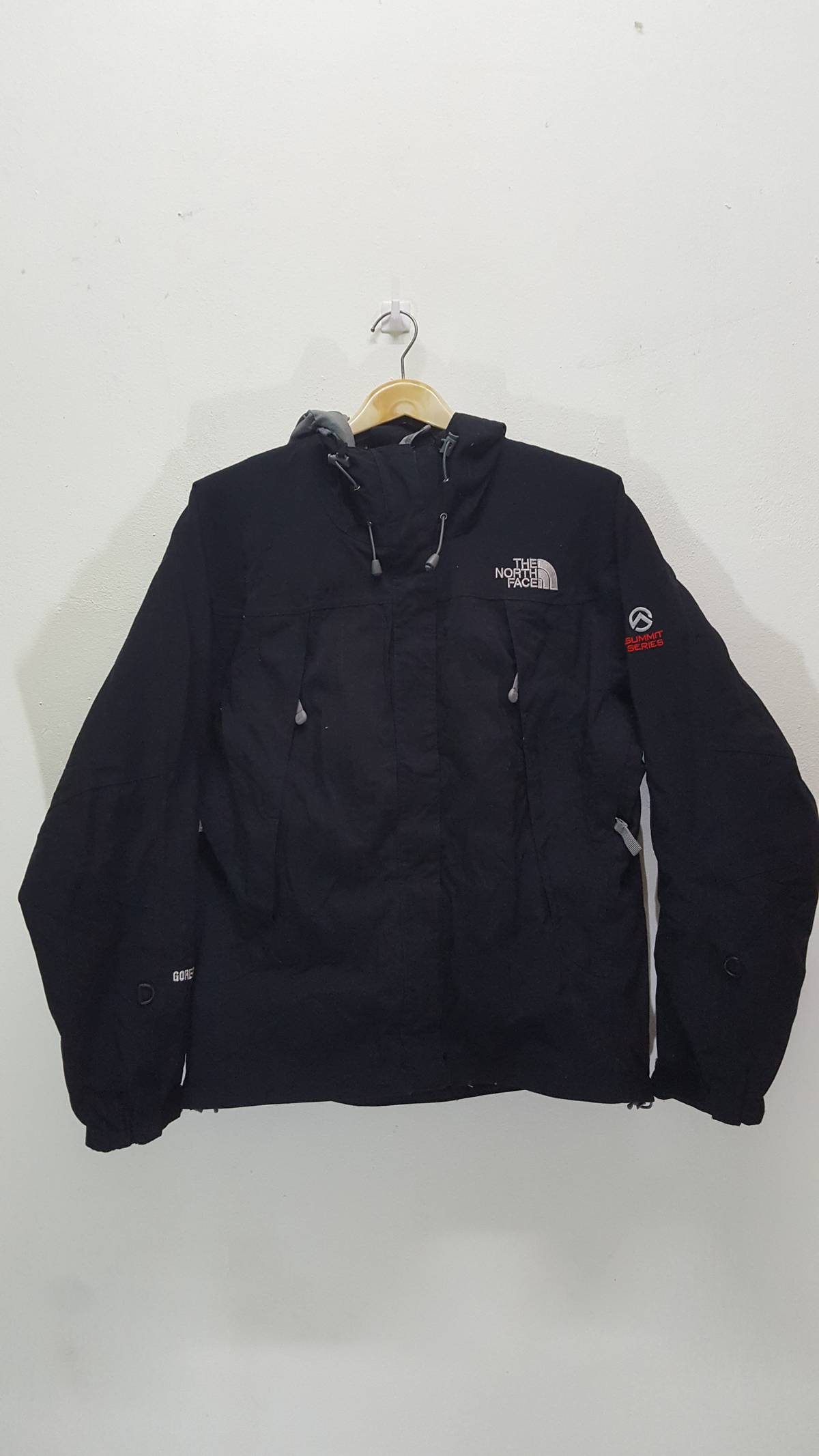 fc12cc750 The North Face The North Face Summit Series Gore Tex Xcr Jacket Size S $40