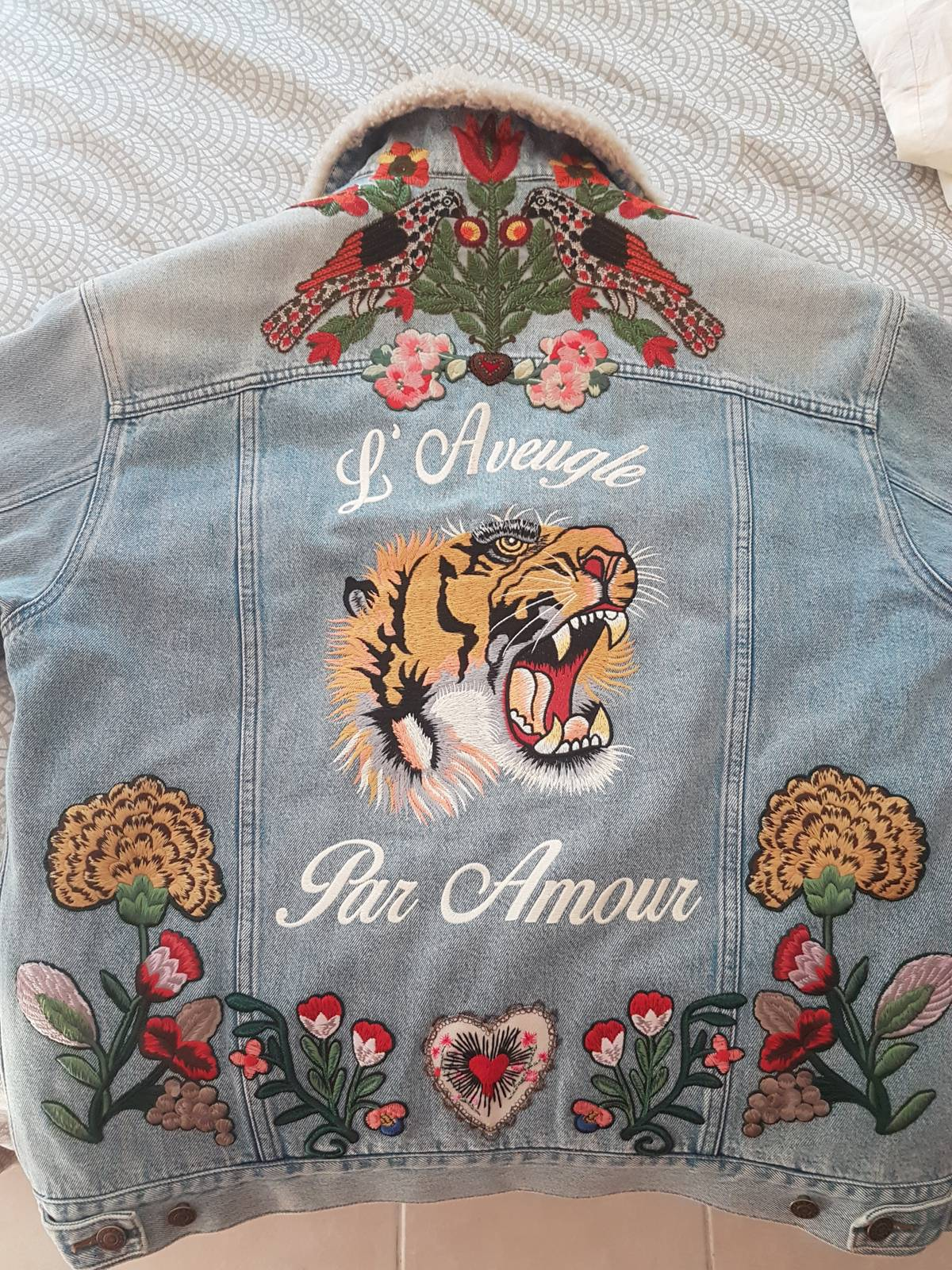 ea10e6a933dc Gucci Gucci L Aveugle Par Amour Embroidered Denim Jacket with Fur ...