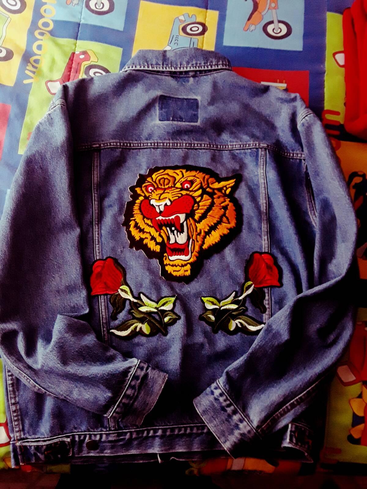 4b0be2462e15 Levi s Levi s Custom Gucci Patch Denim Jacket Size m - Denim Jackets ...