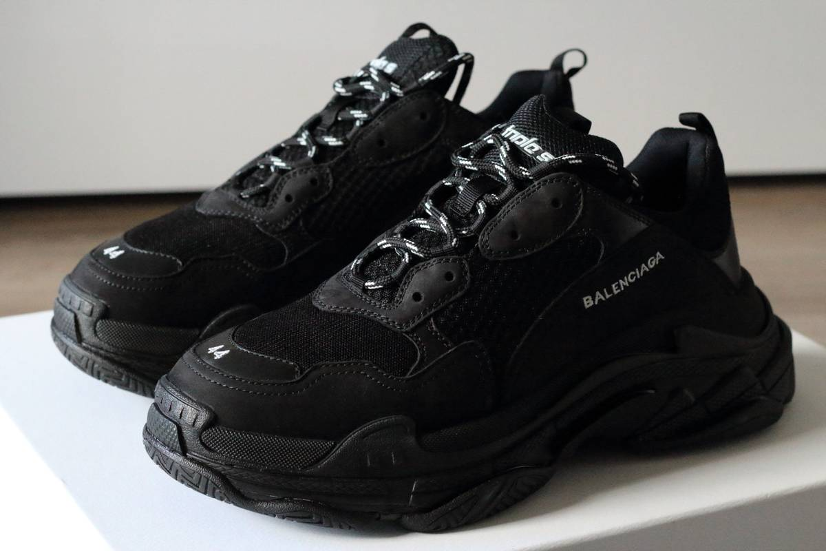 balenciaga balenciaga triple s size 10 5 low top sneakers for sale grailed. Black Bedroom Furniture Sets. Home Design Ideas