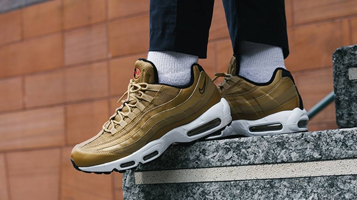 2d21cafcf3b9d5 Nike NEW NIKE AIR MAX 95 PREMIUM QS Quickstrike Metallic Gold Size 9 -  Low-Top Sneakers for Sale - Grailed