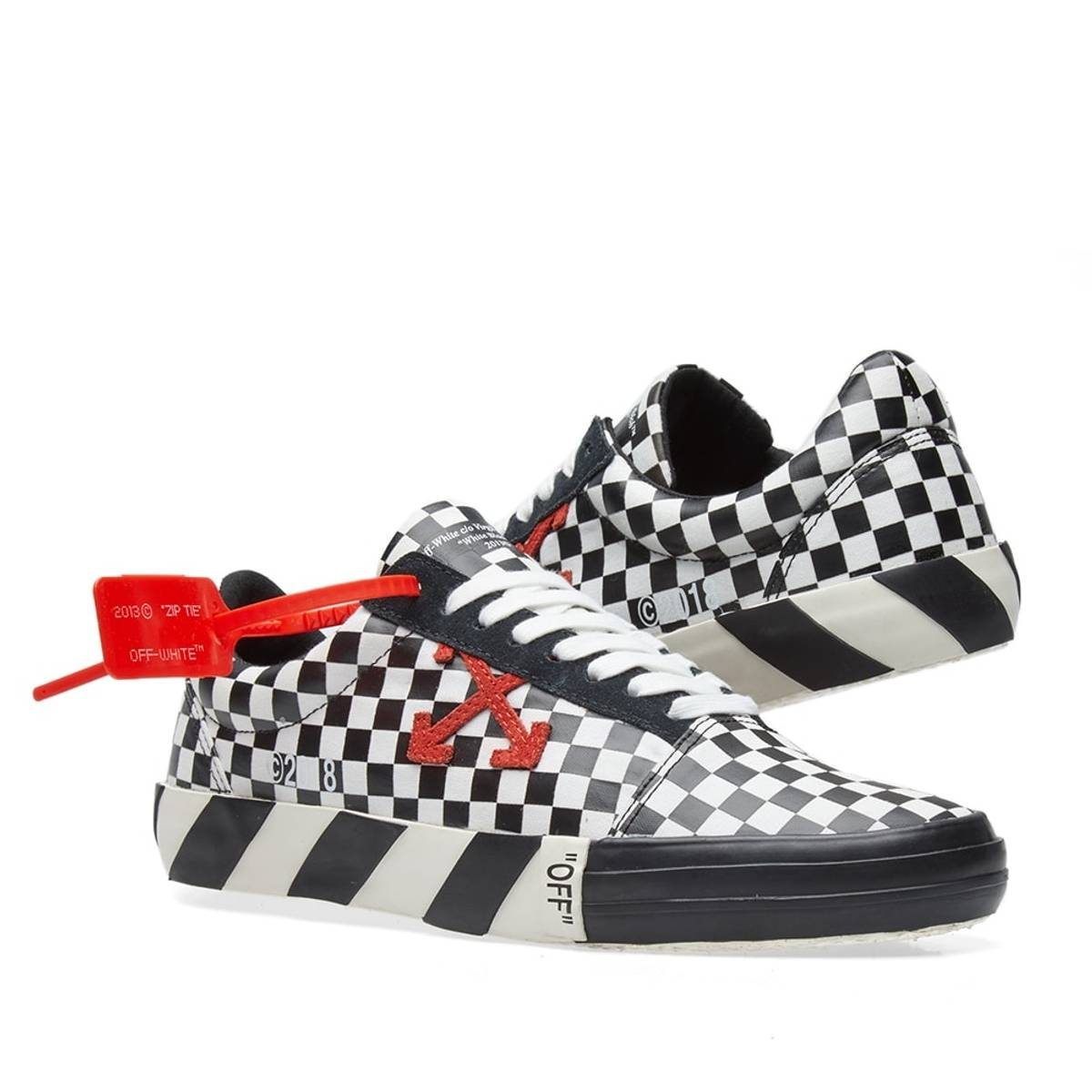 39d0910e77a Off-White OFF-WHITE Vulc Checkered Low Top Sneaker (SIZE US 8.5