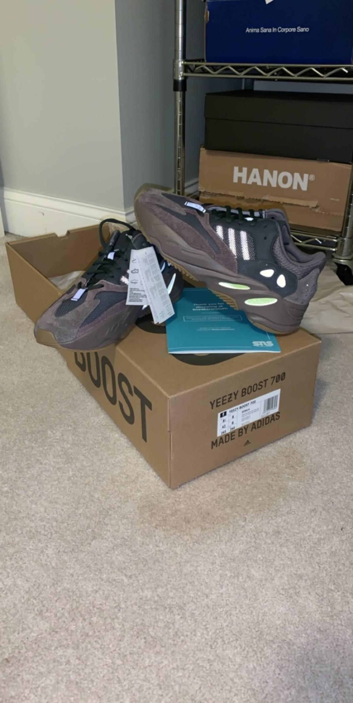 cheaper 4fdd1 3b8c9 Adidas Kanye West Yeezy 700 Muave Size 8.5 $274