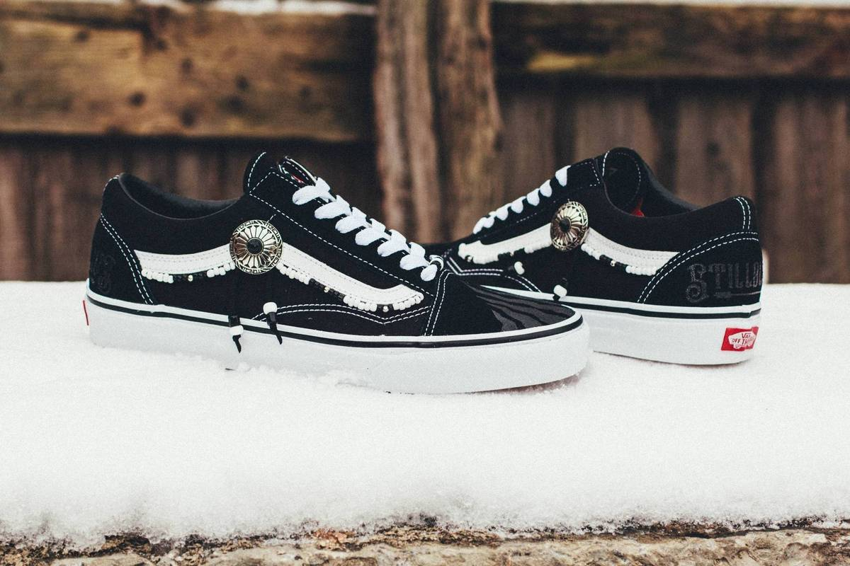 Vans × Custom × STILLALIVE. BLACK TRACE STLLLV x VANS Old Skool Low ... 58ce43d01