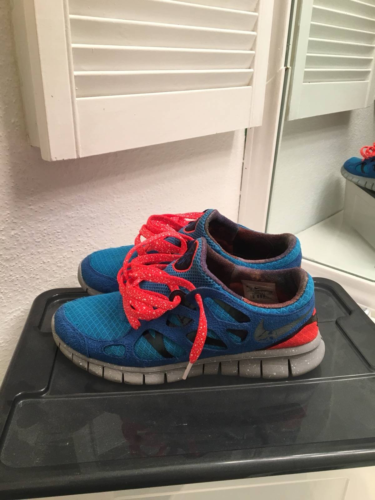 nike free run doernbecher galaxy laces