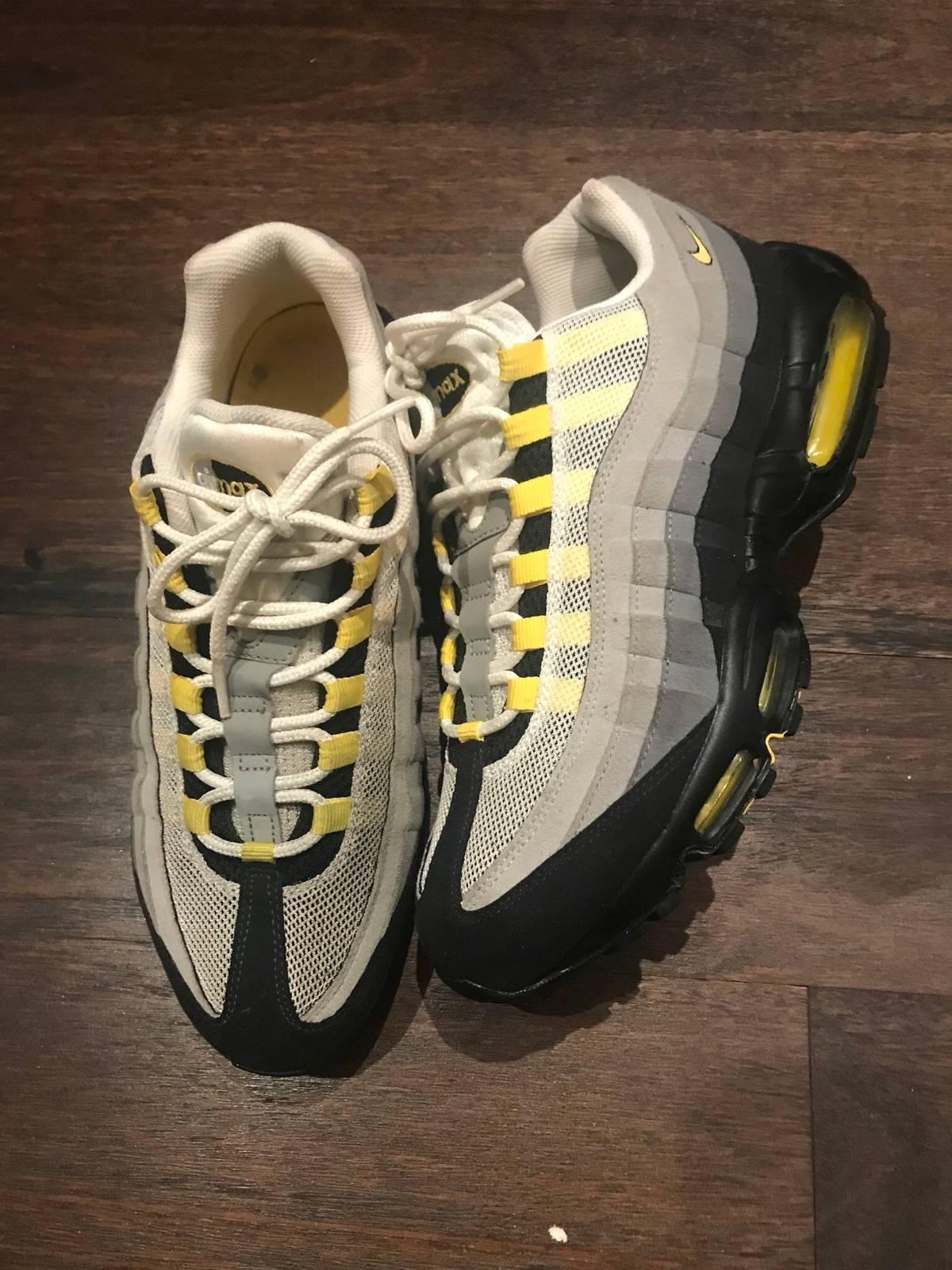 quality design 0d9a7 d9137 Nike Air Max 95 Tour Yellow Size 10.5 $110