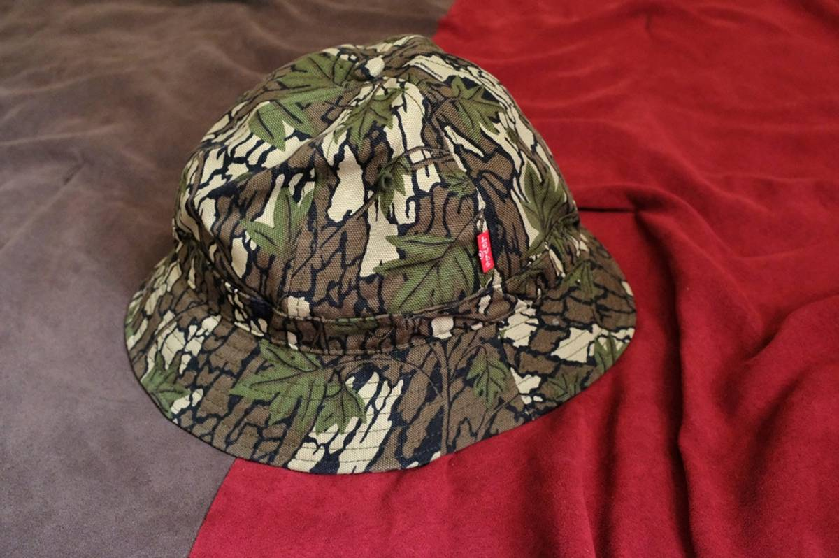 597b2e8f8ac Supreme supreme x levis camo bucket hat Size one size - Hats for ...