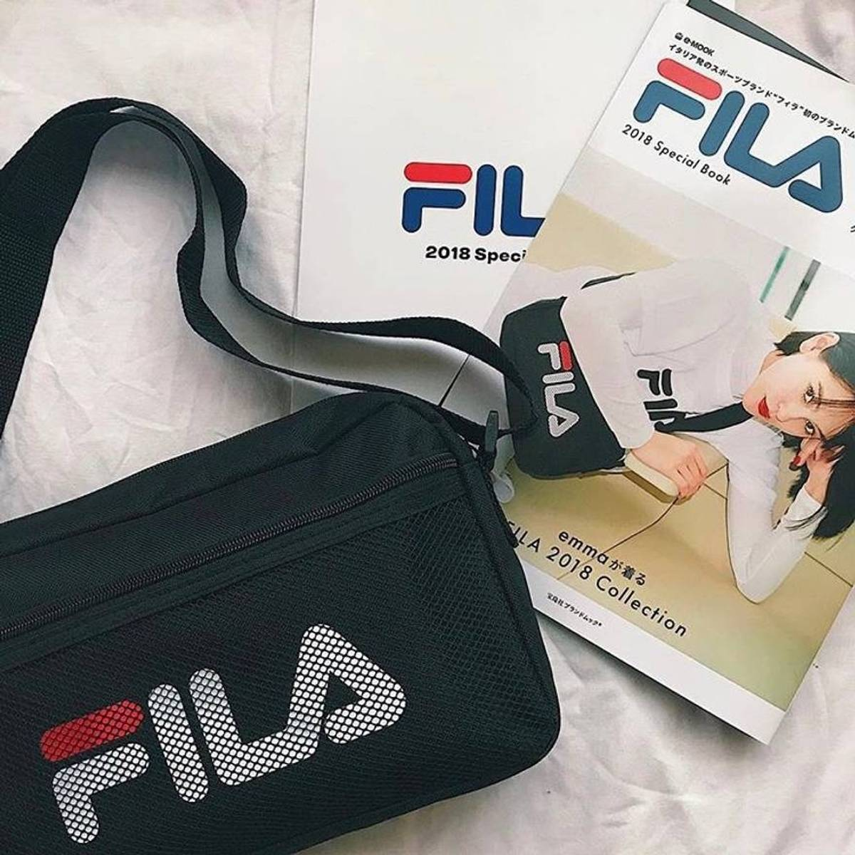 Fila FILA 2018 Magazine Japanese exclusive w  shoulder bag (book + bag)  Size one size - Bags   Luggage for Sale - Grailed 6cfaf3404ceff