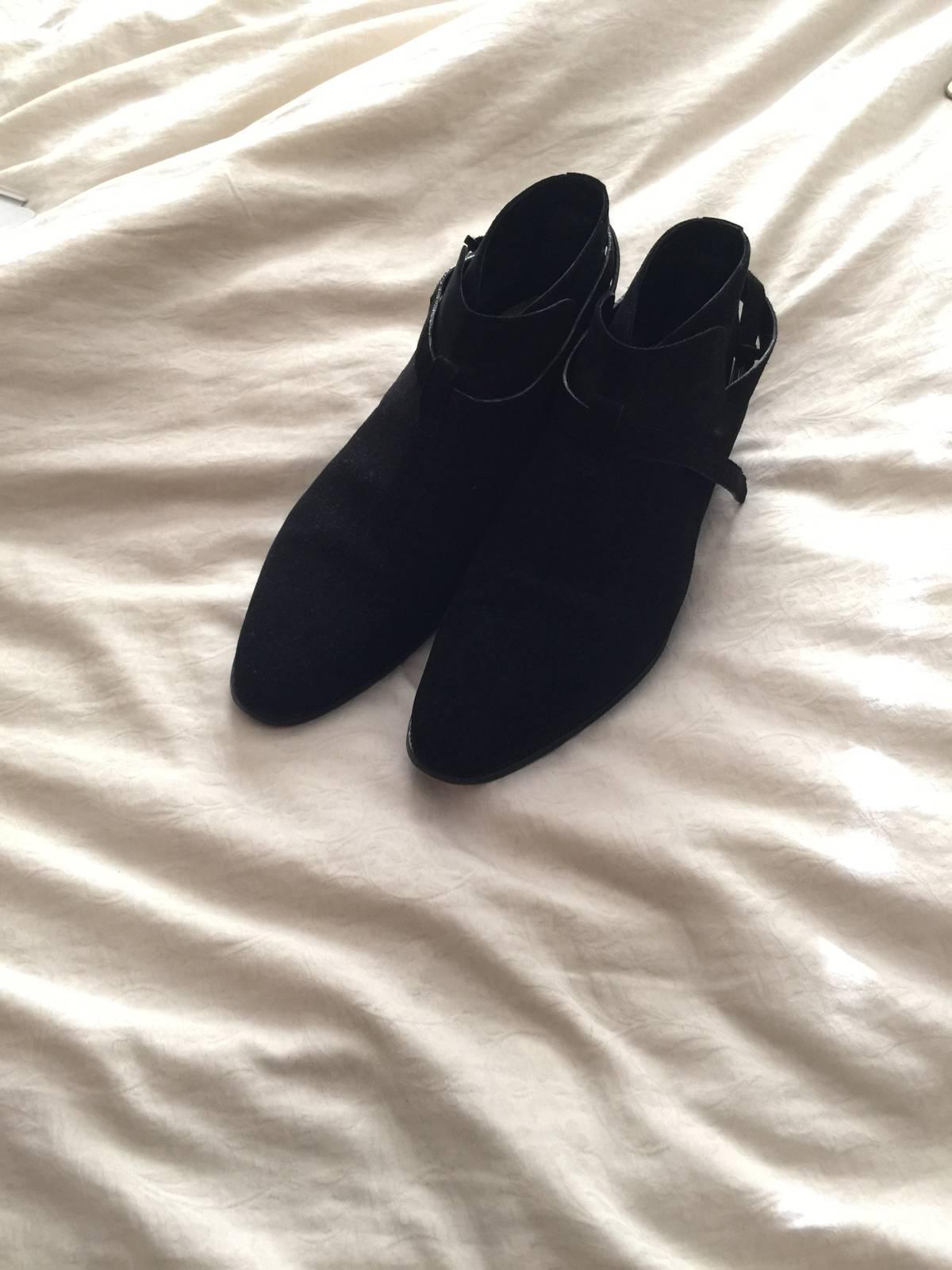 Size 4 black black nylon feet heels jeans 7