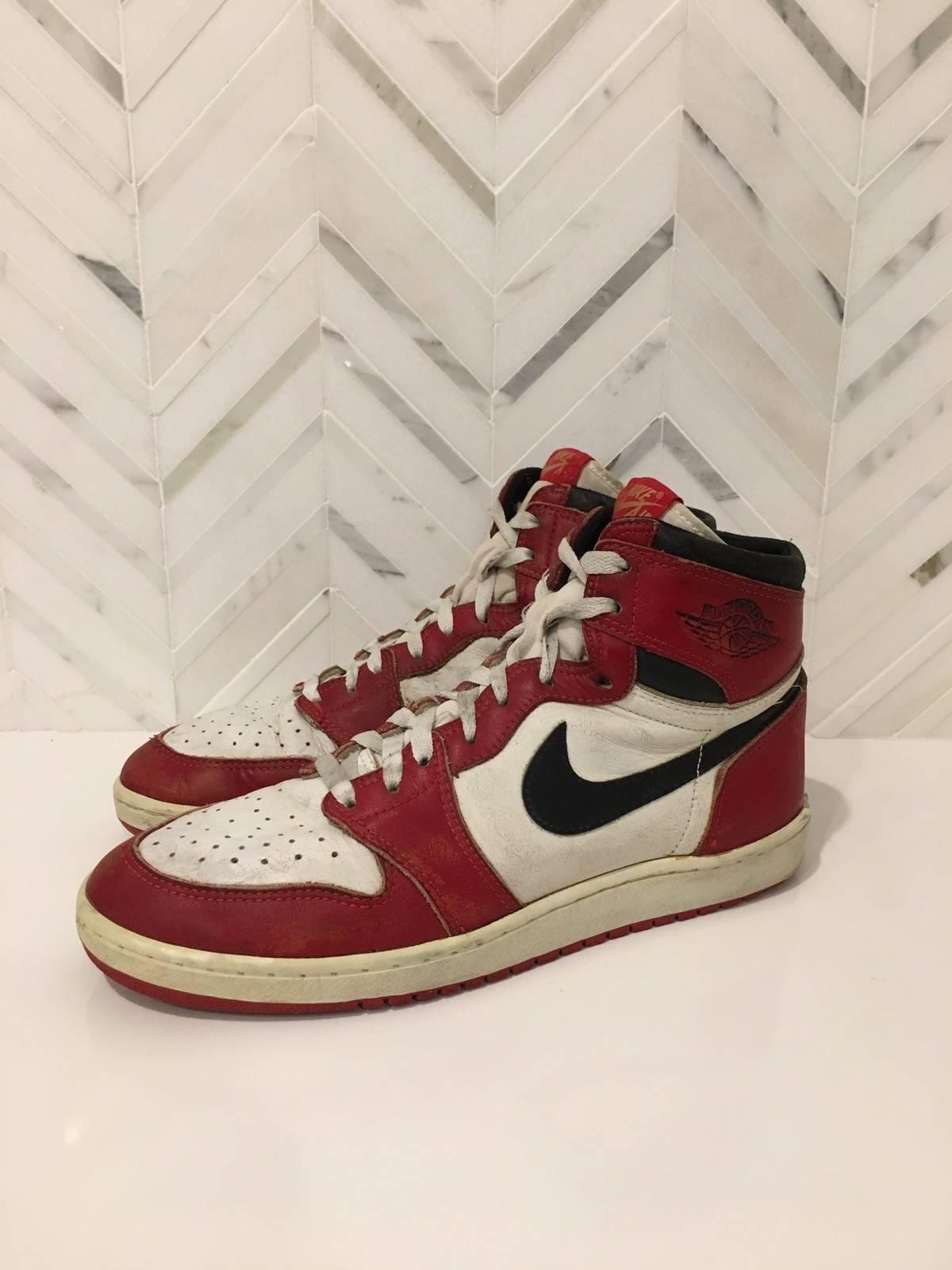 revendeur 6d246 3c3da Nike 1985 Air Jordan 1 'chicago' Size 10.5 $999