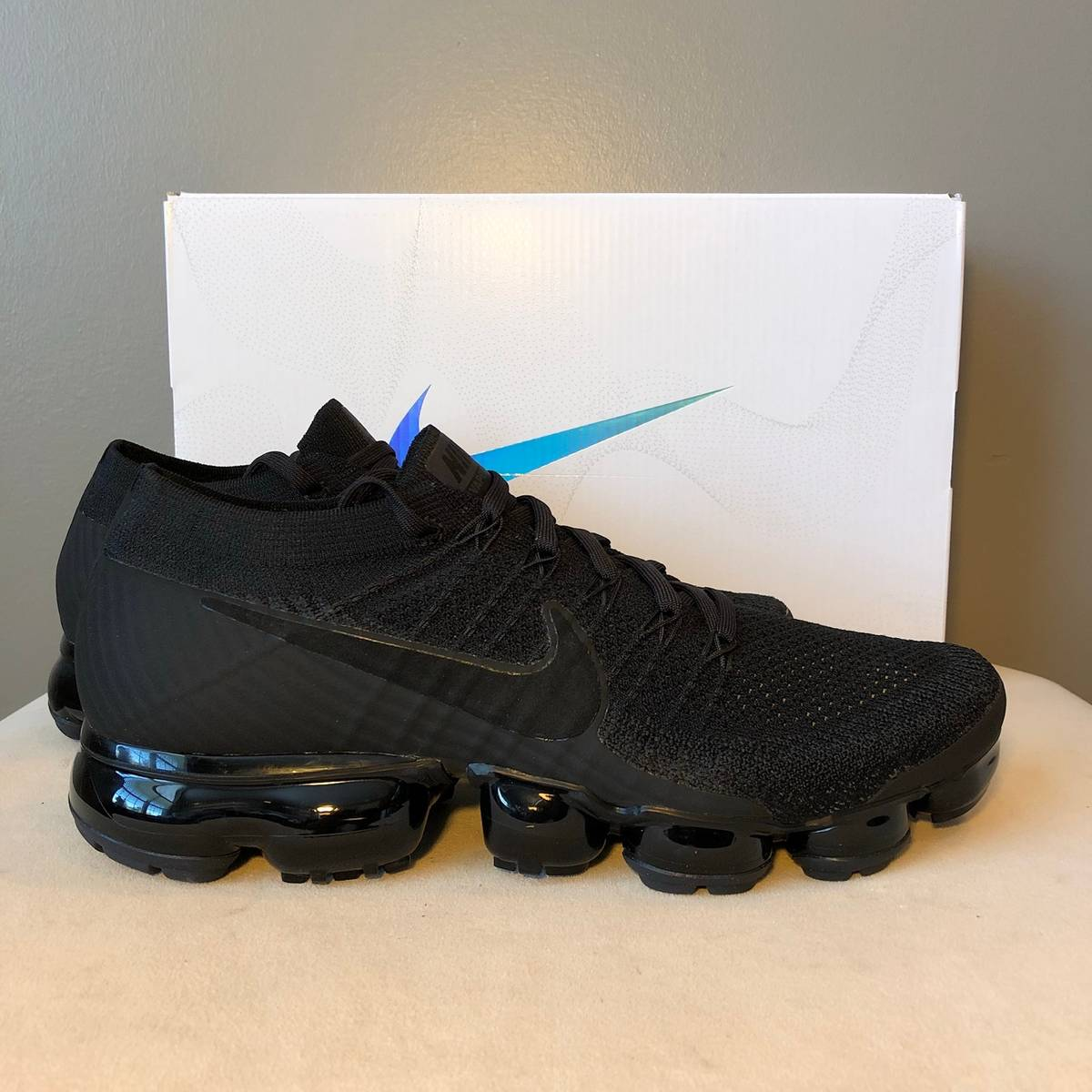 d53e24f831be Nike Nike Air Vapormax Flyknit Triple Black 3.0 Size 9 - Low-Top Sneakers  for Sale - Grailed